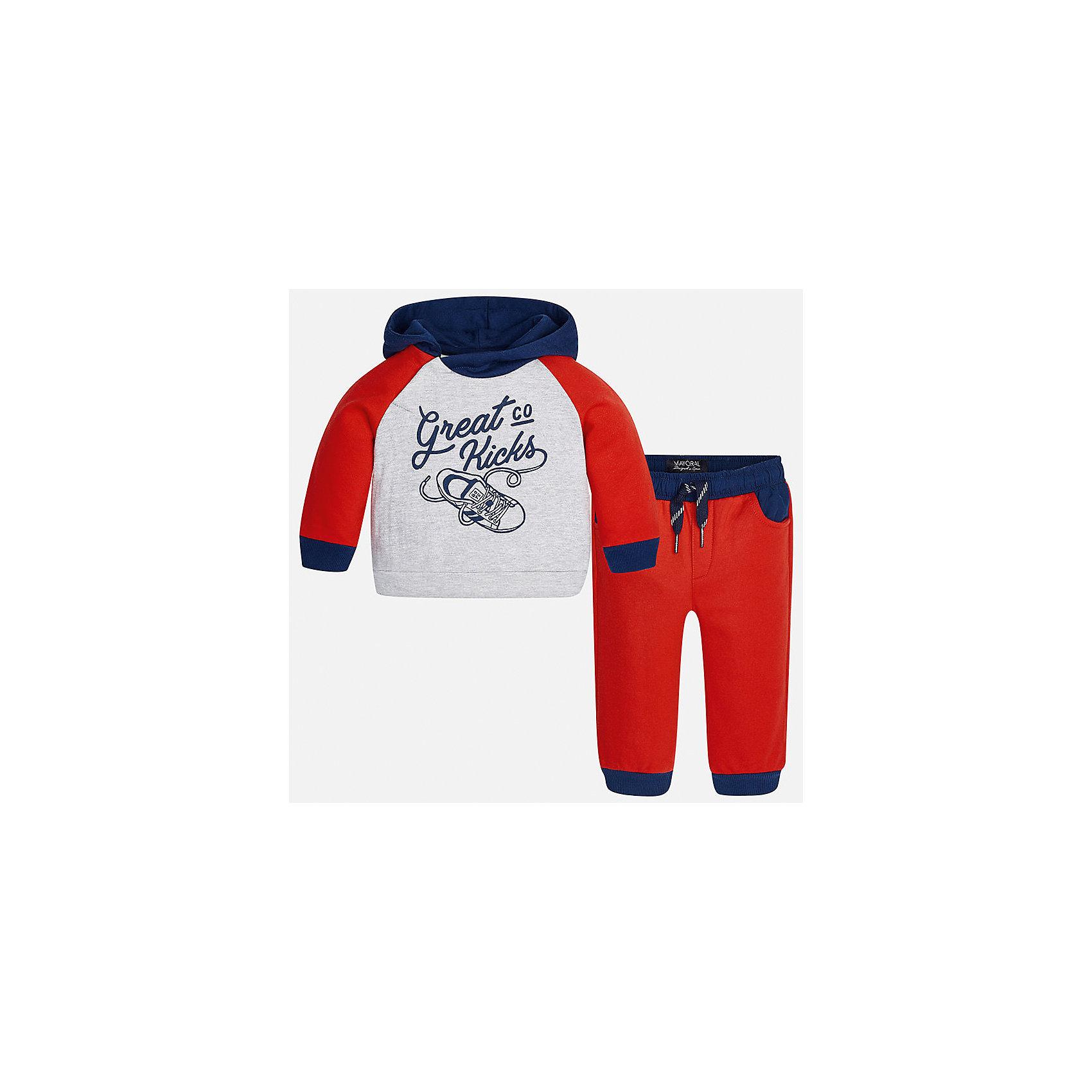Спортивный костюм для мальчика MayoralКомплекты<br>Характеристики товара:<br><br>• цвет: красный<br>• состав ткани: куртка - 76% хлопок, 24% полиэстер, брюки - 100% хлопок<br>• комплектация: куртка, брюки<br>• сезон: демисезон<br>• особенности модели: спортивный стиль<br>• капюшон<br>• длинные рукава<br>• пояс брюк: резинка, шнурок<br>• страна бренда: Испания<br>• страна изготовитель: Индия<br><br>Яркий спортивный костюм для мальчика сделан из плотного приятного на ощупь материала. Такой детский спортивный комплект состоит из курточки и двух брюк. Благодаря продуманному крою детского спортивного костюма создаются комфортные условия для тела. Спортивный комплект для мальчика отличается стильным продуманным дизайном.<br><br>Спортивный костюм для мальчика Mayoral (Майорал) можно купить в нашем интернет-магазине.<br><br>Ширина мм: 247<br>Глубина мм: 16<br>Высота мм: 140<br>Вес г: 225<br>Цвет: красный<br>Возраст от месяцев: 24<br>Возраст до месяцев: 36<br>Пол: Мужской<br>Возраст: Детский<br>Размер: 98,74,80,86,92<br>SKU: 6935534
