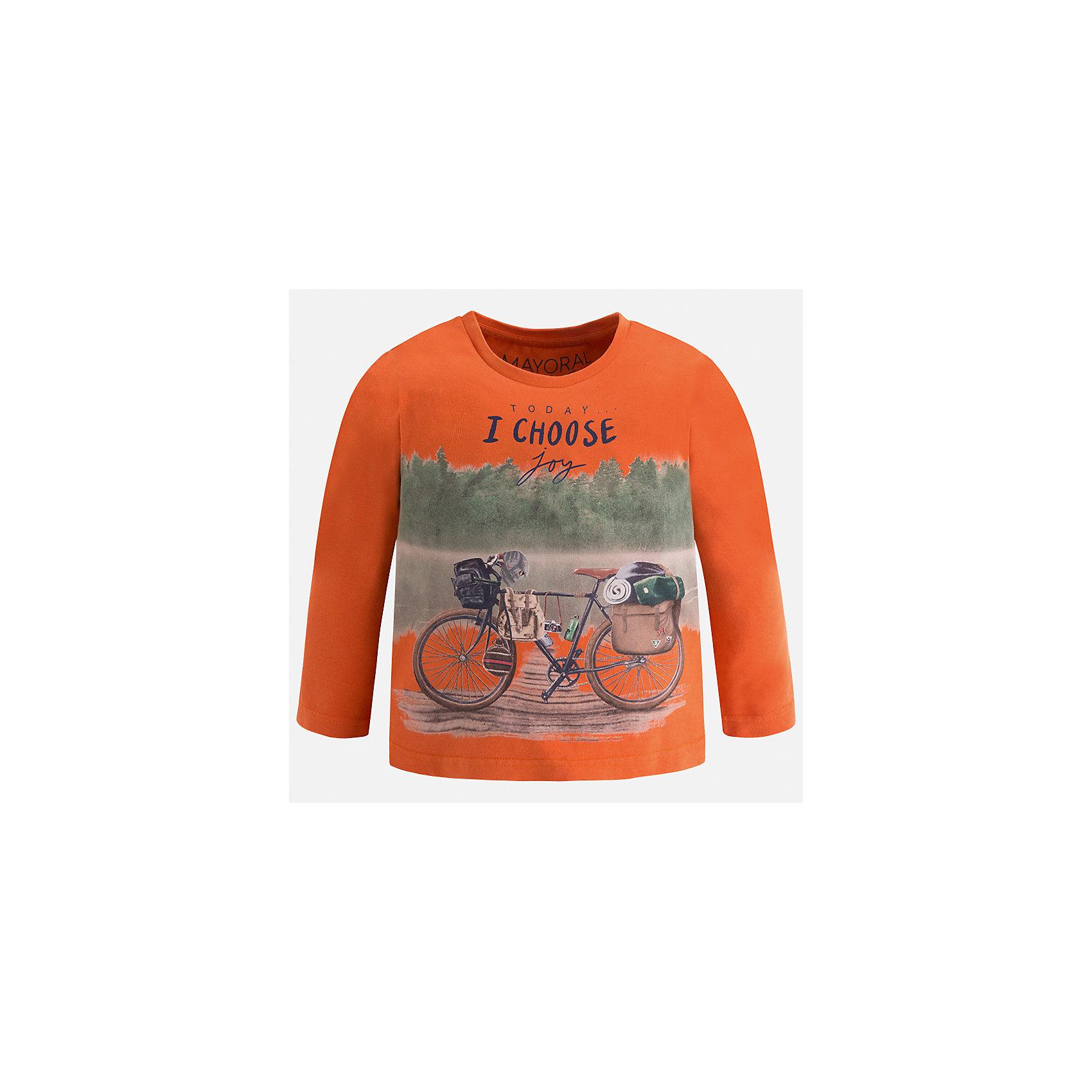 Футболка с длинным рукавом Mayoral для мальчикаФутболки с длинным рукавом<br>Характеристики товара:<br><br>• цвет: оранжевый<br>• состав ткани: 100% хлопок<br>• сезон: демисезон<br>• особенности модели: принт<br>• длинные рукава<br>• страна бренда: Испания<br>• страна изготовитель: Индия<br><br>Яркий детский лонгслив сделан из натуральной хлопковой ткани. Отличный способ обеспечить ребенку тепло и комфорт - надеть детский лонгслив от Mayoral. Оригинальный лонгслив с принтом для мальчика Mayoral удобно сидит по фигуре. Детская футболка с длинным рукавом сшита из приятного на ощупь материала. <br><br>Лонгслив для мальчика Mayoral (Майорал) можно купить в нашем интернет-магазине.<br><br>Ширина мм: 230<br>Глубина мм: 40<br>Высота мм: 220<br>Вес г: 250<br>Цвет: бежевый<br>Возраст от месяцев: 96<br>Возраст до месяцев: 108<br>Пол: Мужской<br>Возраст: Детский<br>Размер: 134,92,98,104,110,116,122,128<br>SKU: 6935711