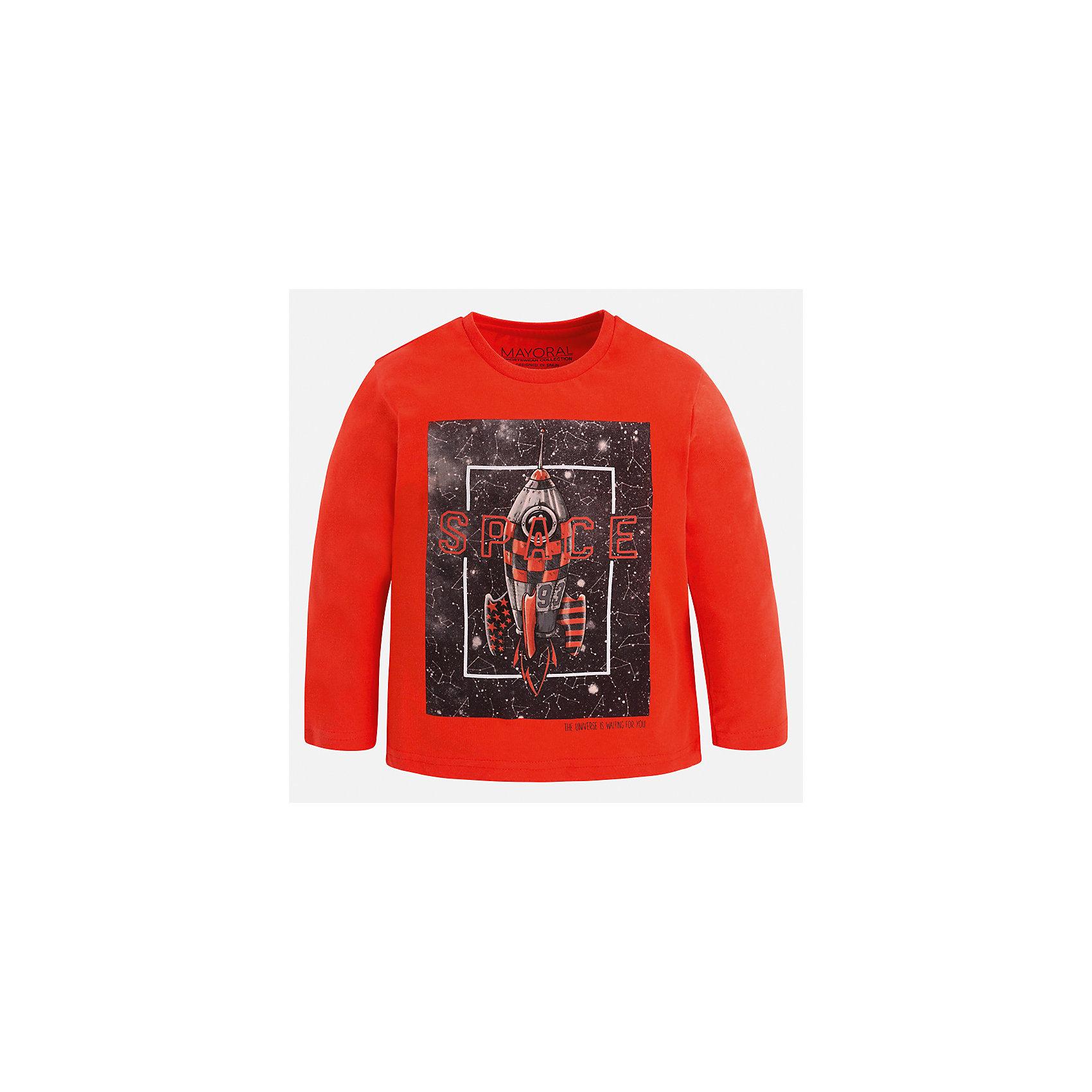 Футболка с длинным рукавом для мальчика MayoralФутболки с длинным рукавом<br>Характеристики товара:<br><br>• цвет: оранжевый<br>• состав ткани: 100% хлопок<br>• сезон: демисезон<br>• особенности модели: принт<br>• длинные рукава<br>• страна бренда: Испания<br>• страна изготовитель: Индия<br><br>Яркий детский лонгслив с принтом выглядит очень стильно. Эта одежда для ребенка отличается модным и продуманным дизайном. Лонгслив для мальчика от Майорал поможет обеспечить ребенку комфорт. В футболке с длинным рукавом для мальчика от испанской компании Майорал ребенок будет выглядеть модно, а чувствовать себя - комфортно. <br><br>Лонгслив для мальчика Mayoral (Майорал) можно купить в нашем интернет-магазине.<br><br>Ширина мм: 230<br>Глубина мм: 40<br>Высота мм: 220<br>Вес г: 250<br>Цвет: оранжевый<br>Возраст от месяцев: 60<br>Возраст до месяцев: 72<br>Пол: Мужской<br>Возраст: Детский<br>Размер: 116,122,128,134,92,98,104,110<br>SKU: 6935989