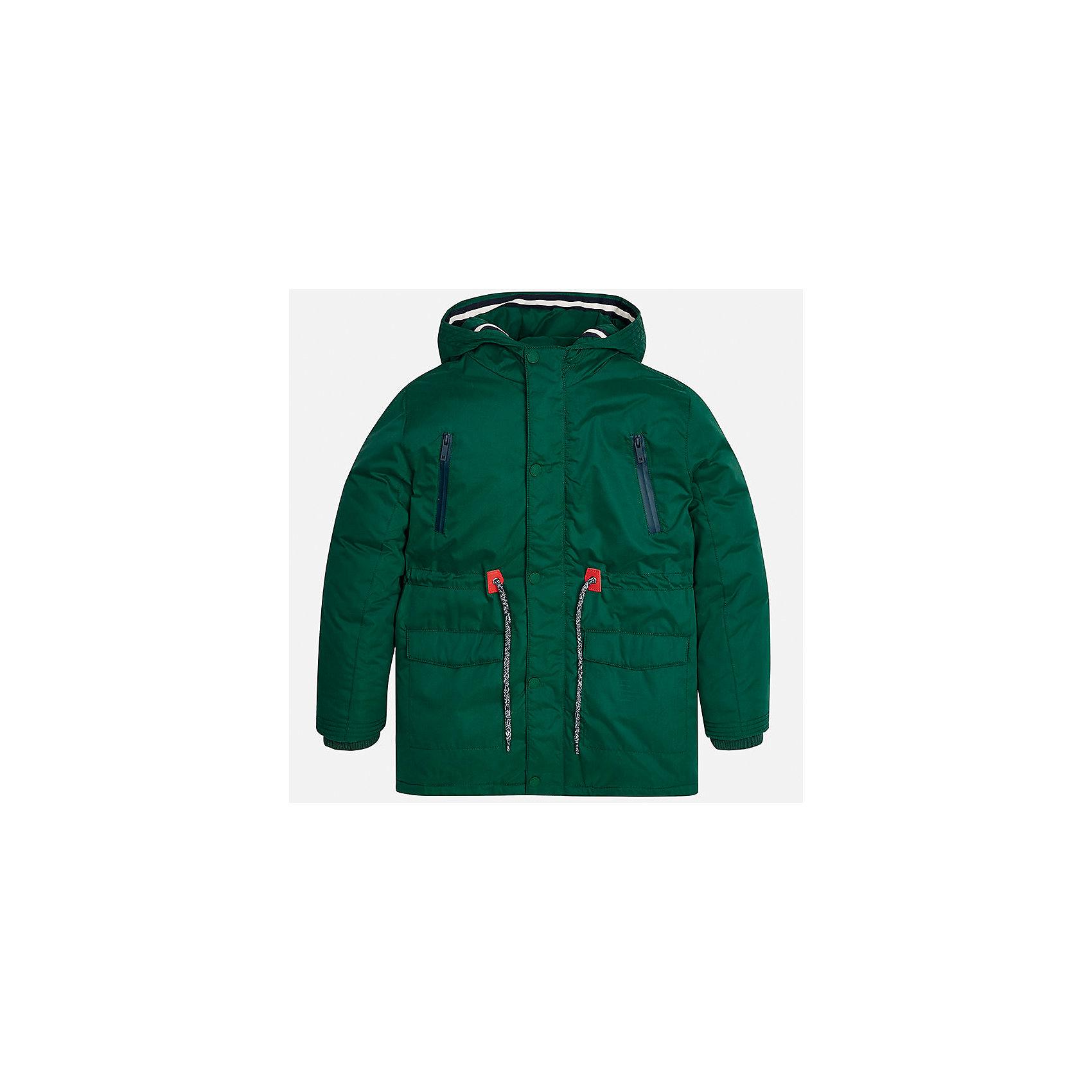 Куртка для мальчика MayoralВерхняя одежда<br>Характеристики товара:<br><br>• цвет: зеленый;<br>• сезон: демисезон;<br>• температурный режим: от 0 до +10С;<br>• состав ткани: 100% полиэстер;<br>• состав подкладки: 100% полиэстер;<br>• на молнии и на кнопках;<br>• фасон: парка;<br>• регулируемая талия на шнурке;<br>• капюшон:   не отстегивается, без меха;<br>• страна бренда: Испания;<br>• страна изготовитель: Китай.<br><br>Утепленная демисезонная куртка для мальчика от популярного бренда Mayoral,  модный фасон - парка  несомненно понравится вам и вашему ребенку. Качественные ткани, безупречное исполнение, все модели в центре модных тенденций. <br><br>Удлиненная модель яркого зеленого цвета выполнена из мягкой плащевой ткани и внутреннего утеплителя, обеспечивающие хорошую воздухопроницаемую защиту и тепло,  рукава и пояс на внутренних элестичных манжетах. Застегивается на молнию и на кнопки, для большего комфорта талия регулируется утяжкой на шнурке. Капюшон  не отстегивается,  верхние передние карманы на молнии и нижние передние карманы на кнопках. Декорирована контрастной оконтовко и нашивкой-логотипом на рукаве.<br><br>Легкая и теплая куртка-парка с капюшоном и карманами на холодную осень-весну. Грамотный крой изделия обеспечивает отличную посадку по фигуре. Все эти преимущества делают данную модель незаменимой для активных прогулок и повседневной носки.<br><br>Утепленную демисезонную куртку-парку  для мальчика Mayoral (Майорал) можно купить в нашем интернет-магазине.<br><br>Ширина мм: 356<br>Глубина мм: 10<br>Высота мм: 245<br>Вес г: 519<br>Цвет: зеленый<br>Возраст от месяцев: 168<br>Возраст до месяцев: 180<br>Пол: Мужской<br>Возраст: Детский<br>Размер: 170,128/134,140,152,158,164<br>SKU: 6938803