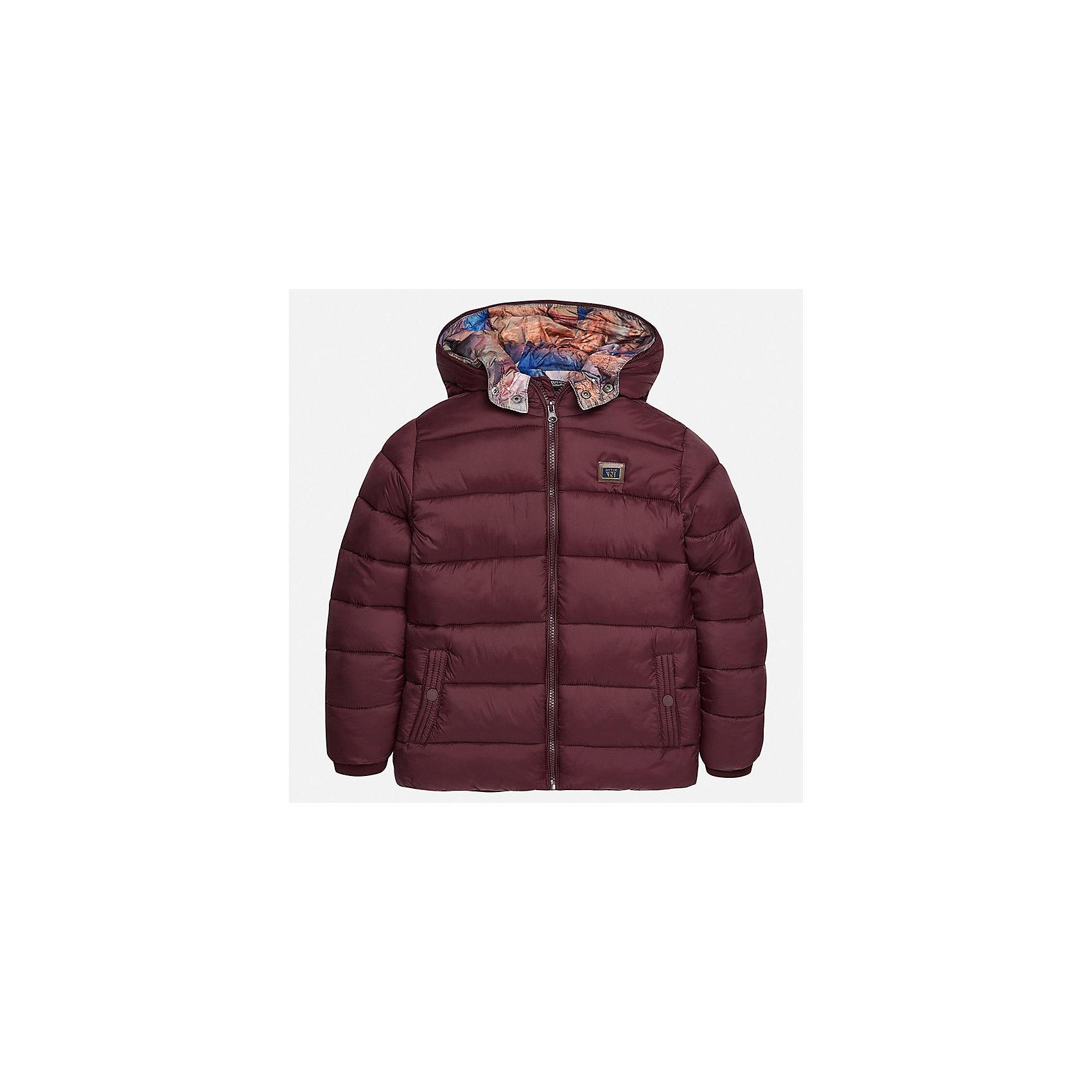 Куртка для мальчика MayoralВерхняя одежда<br>Характеристики товара:<br><br>• цвет:коричневый;<br>• сезон: демисезон;<br>• температурный режим: от 0 до +10С;<br>• состав ткани: 100% полиамид;<br>• состав подкладки и наполнителя: 100% полиэстер;<br>• на молнии;<br>• капюшон:  отстегивается, без меха;<br>• страна бренда: Испания;<br>• страна изготовитель: Китай.<br><br>Утепленная демисезонная куртка для мальчика с двойным капюшоном от популярного бренда Mayoral несомненно понравится вам и вашему ребенку. Качественные ткани, безупречное исполнение, все модели в центре модных тенденций. <br><br>Стеганная модель коричнего цвета выполнена из мягкой плащевой  ткани и внутренней плащевой подкладки, обеспечивающие хорошую воздухопроницаемую защиту,  рукава и пояс на внутренних трикотажных манжетах. Застегивается на молнию, дополнена боковыми врезными карманами. Двойной капюшон: внешний плащевый и внутренний  трикотажный с принтом, съемный (на молнии), с фиксацией на кнопки.   Декорирована  нашивкой-логотипом на на груди.<br><br>Легкая и теплая куртка с капюшоном и карманами на холодную осень-весну. Грамотный крой изделия обеспечивает отличную посадку по фигуре. Все эти преимущества делают данную модель незаменимой для активных прогулок и повседневной носки.<br><br>Утепленная демисезонная куртка для мальчика Mayoral (Майорал) можно купить в нашем интернет-магазине.<br><br>Ширина мм: 356<br>Глубина мм: 10<br>Высота мм: 245<br>Вес г: 519<br>Цвет: коричневый<br>Возраст от месяцев: 168<br>Возраст до месяцев: 180<br>Пол: Мужской<br>Возраст: Детский<br>Размер: 170,128/134,140,152,158,164<br>SKU: 6938852