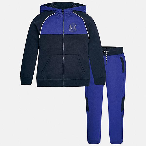 Спортивный костюм для мальчика MayoralКомплекты<br>Характеристики товара:<br><br>• цвет: синий<br>• комплектация: курточка и брюки<br>• состав ткани курточки: 60% хлопок, 40% полиэстер<br>• состав ткани брюк: 60% хлопок, 40% полиэстер<br>• длинные рукава<br>• застежка: молния<br>• пояс: резинка и шнурок<br>• особенности модели: спортивный стиль<br>• сезон: демисезон<br>• страна бренда: Испания<br>• страна изготовитель: Индия<br><br>Модный комплект для занятий спортом состоит из курточки с капюшоном и брюк. Целая команда талантливых европейских дизайнеров работала над созданием этого детского спортивного костюма. Спортивный костюм для ребенка сшит из качественного материала с преобладанием натурального хлопка в составе. <br><br>Спортивный костюм для мальчика Mayoral (Майорал) можно купить в нашем интернет-магазине.<br><br>Ширина мм: 247<br>Глубина мм: 16<br>Высота мм: 140<br>Вес г: 225<br>Цвет: синий<br>Возраст от месяцев: 96<br>Возраст до месяцев: 108<br>Пол: Мужской<br>Возраст: Детский<br>Размер: 128/134,170,164,158,152,140<br>SKU: 6939027