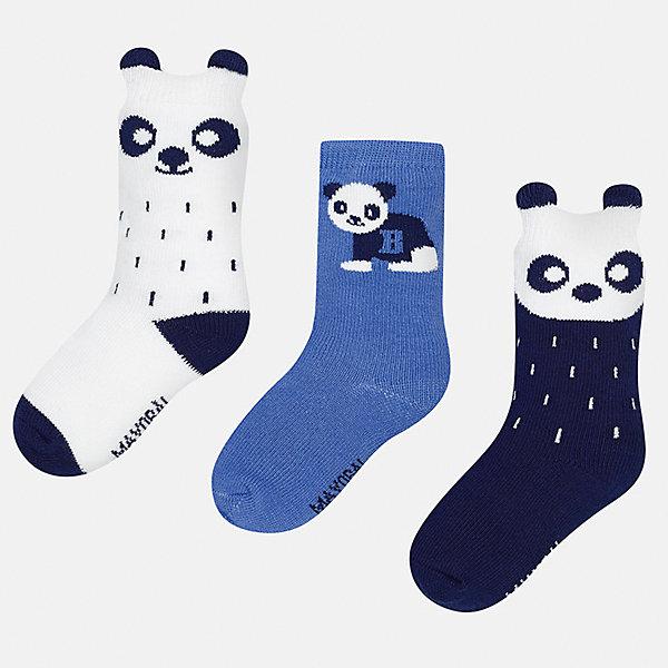Носки (3 пары) для мальчика MayoralНоски<br>Характеристики товара:<br><br>• цвет: белый/синий/темно-синий<br>• состав ткани: 70% хлопок, 27% полиамид, 3% эластан<br>• сезон: круглый год<br>• комплектация: 3 пары<br>• страна бренда: Испания<br>• страна изготовитель: Индия<br><br>Детские носки от популярного испанского бренда Mayoral состоят преимущественно из натурального дышащего хлопка. Носки для детей комфортно сидят благодаря мягкой резинке. Для производства детской одежды, в том числе и носков для детей, популярный бренд Mayoral используют только качественную фурнитуру и материалы. Оригинальные и модные вещи от Майорал неизменно привлекают внимание и нравятся детям.<br><br>Носки (3 пары) для мальчика Mayoral (Майорал) можно купить в нашем интернет-магазине.<br><br>Ширина мм: 87<br>Глубина мм: 10<br>Высота мм: 105<br>Вес г: 115<br>Цвет: синий/белый<br>Возраст от месяцев: 12<br>Возраст до месяцев: 18<br>Пол: Мужской<br>Возраст: Детский<br>Размер: 19-22,22-24<br>SKU: 6939040