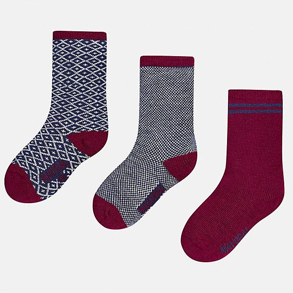 Носки (3 пары) для мальчика MayoralНоски<br>Характеристики товара:<br><br>• цвет: серый/бордовый<br>• состав ткани: 75% хлопок, 22% полиамид, 3% эластан<br>• сезон: круглый год<br>• комплектация: 3 пары<br>• страна бренда: Испания<br>• страна изготовитель: Индия<br><br>Детские носки от популярного испанского бренда Mayoral состоят преимущественно из натурального дышащего хлопка. Носки для детей комфортно сидят благодаря мягкой резинке. Для производства детской одежды, в том числе и носков для детей, популярный бренд Mayoral используют только качественную фурнитуру и материалы. Оригинальные и модные вещи от Майорал неизменно привлекают внимание и нравятся детям.<br><br>Носки (3 пары) для мальчика Mayoral (Майорал) можно купить в нашем интернет-магазине.<br>Ширина мм: 87; Глубина мм: 10; Высота мм: 105; Вес г: 115; Цвет: разноцветный; Возраст от месяцев: 12; Возраст до месяцев: 18; Пол: Мужской; Возраст: Детский; Размер: 19-22,22-24; SKU: 6939049;