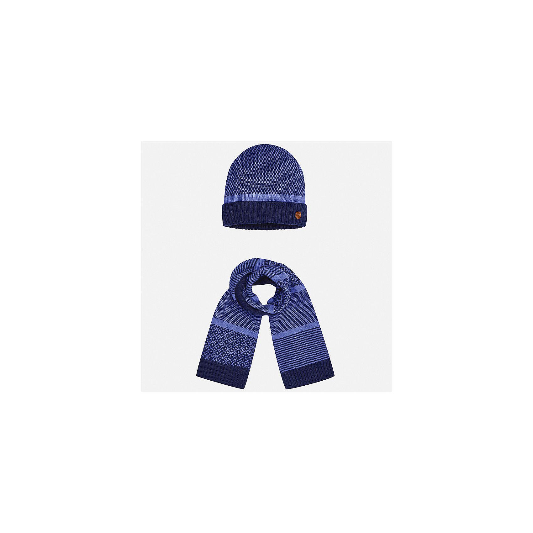 Комплект: шапка и шарф для мальчика MayoralКомплекты<br>Характеристики товара:<br><br>• цвет: фиолетовый<br>• состав ткани: 60% хлопок, 30% полиамид, 10% шерсть<br>• сезон: демисезон<br>• комплектация: шапка, шарф<br>• страна бренда: Испания<br>• страна изготовитель: Индия<br><br>Оригинальный детский комплект из шарфа и шапки смотрится аккуратно и стильно. Демисезонные шапка и шарф для мальчика от популярного бренда Mayoral помогут дополнить наряд и обеспечить комфорт в прохладную погоду. Для производства таких демисезонных комплектов популярный бренд Mayoral используют только качественную фурнитуру и материалы. Оригинальные и модные шапка и шарф от Майорал привлекут внимание и понравятся детям.<br><br>Комплект: шапка и шарф для мальчика Mayoral (Майорал) можно купить в нашем интернет-магазине.<br><br>Ширина мм: 89<br>Глубина мм: 117<br>Высота мм: 44<br>Вес г: 155<br>Цвет: фиолетовый<br>Возраст от месяцев: 12<br>Возраст до месяцев: 18<br>Пол: Мужской<br>Возраст: Детский<br>Размер: one size<br>SKU: 6939068