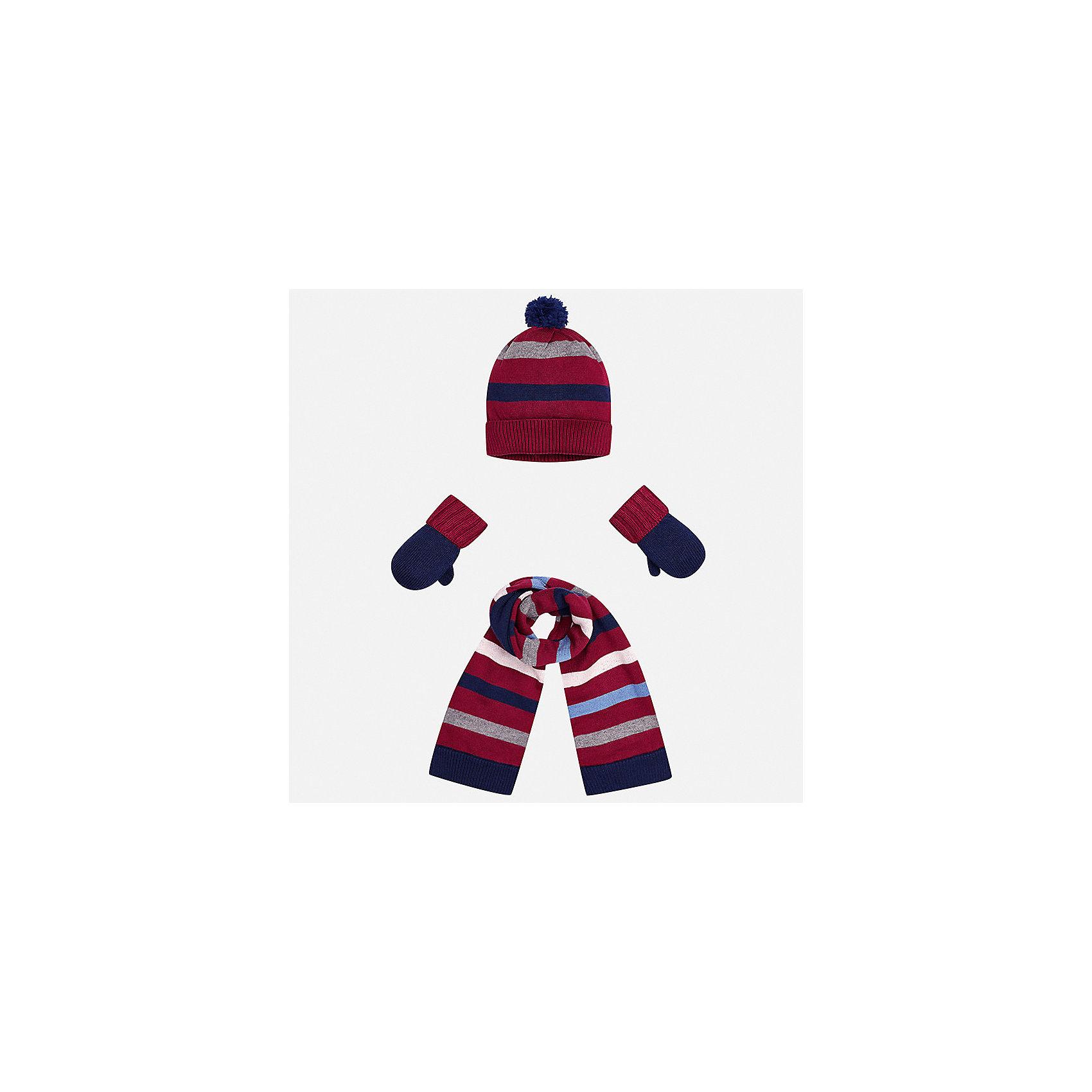 Комплект: шапка, шарф и варежки для мальчика MayoralКомплекты<br>Характеристики товара:<br><br>• цвет: красный/темно-синий<br>• состав ткани: 39% акрил, 26% вискоза, 26% полиамид, 9% ангора<br>• сезон: демисезон<br>• комплектация: шапка, шарф, варежки<br>• страна бренда: Испания<br>• страна изготовитель: Индия<br><br>Этот модный набор из шапки, варежек и шарфа поможет обеспечить ребенку тепло и комфорт. Детский демисезонный комплект от бренда Майорал смотрится модно и оригинально. Шапка, варежки и шарф от испанской компании Mayoral отличаются оригинальным и стильным дизайном. Качество продукции неизменно очень высокое.<br><br>Комплект: шапка, шарф и варежки для мальчика Mayoral (Майорал) можно купить в нашем интернет-магазине.<br><br>Ширина мм: 89<br>Глубина мм: 117<br>Высота мм: 44<br>Вес г: 155<br>Цвет: синий/красный<br>Возраст от месяцев: 12<br>Возраст до месяцев: 18<br>Пол: Мужской<br>Возраст: Детский<br>Размер: one size<br>SKU: 6939078
