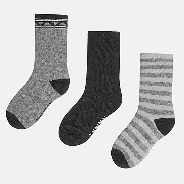 Носки (3 пары) для мальчика MayoralНоски<br>Характеристики товара:<br><br>• цвет: серый<br>• состав ткани: 72% хлопок, 25% полиамид, 3% эластан<br>• сезон: круглый год<br>• комплектация: 3 пары<br>• страна бренда: Испания<br>• страна изготовитель: Индия<br><br>Эти носки для мальчика от популярного бренда Mayoral отличаются удобством. Детские носки смотрятся аккуратно и нарядно. В таких носках для детей от испанской компании Майорал ребенок будет выглядеть модно, а чувствовать себя - комфортно. <br><br>Носки (3 пары) для мальчика Mayoral (Майорал) можно купить в нашем интернет-магазине.<br>Ширина мм: 87; Глубина мм: 10; Высота мм: 105; Вес г: 115; Цвет: серый; Возраст от месяцев: 24; Возраст до месяцев: 36; Пол: Мужской; Возраст: Детский; Размер: 24-26,33-35,30-32,27-29; SKU: 6939205;