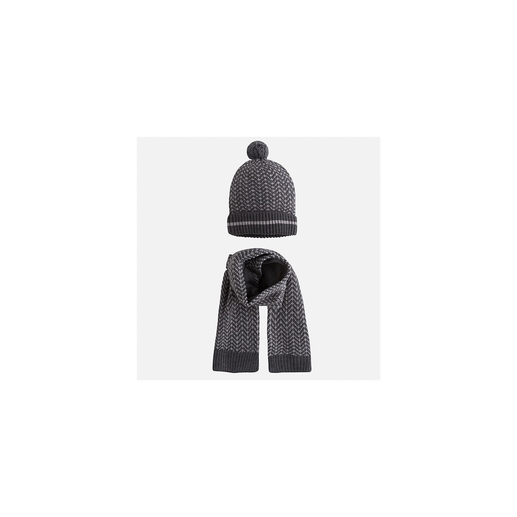 Комплект: шапка и шарф Mayoral для мальчикаШарфы, платки<br>Характеристики товара:<br><br>• цвет: серый<br>• состав ткани: 60% хлопок, 30% полиамид, 10% шерсть<br>• сезон: демисезон<br>• комплектация: шапка, шарф<br>• страна бренда: Испания<br>• страна изготовитель: Индия<br><br>Демисезонные шапка и шарф для мальчика от популярного бренда Mayoral помогут дополнить наряд и обеспечить комфорт в прохладную погоду. Для производства таких демисезонных комплектов популярный бренд Mayoral используют только качественную фурнитуру и материалы. Оригинальные и модные шапка и шарф от Майорал привлекут внимание и понравятся детям. Детский комплект из шарфа и шапки смотрится аккуратно и стильно. <br><br>Комплект: шапка и шарф для мальчика Mayoral (Майорал) можно купить в нашем интернет-магазине.<br><br>Ширина мм: 89<br>Глубина мм: 117<br>Высота мм: 44<br>Вес г: 155<br>Цвет: серый<br>Возраст от месяцев: 72<br>Возраст до месяцев: 84<br>Пол: Мужской<br>Возраст: Детский<br>Размер: 54,50,52<br>SKU: 6939252