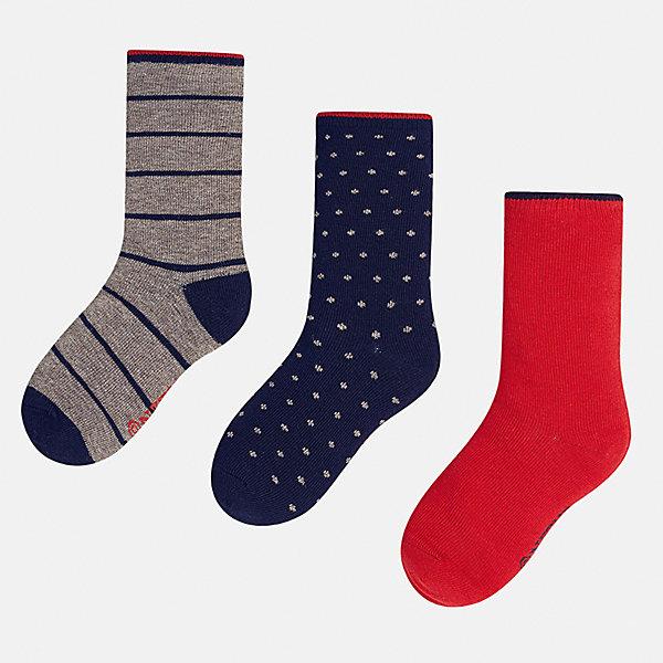 Носки (3 пары) для мальчика MayoralНоски<br>Характеристики товара:<br><br>• цвет: серый/темно-синий/красный<br>• состав ткани: 74% хлопок, 20% полиэстер, 3% полиамид, 3% эластан<br>• сезон: круглый год<br>• комплектация: 3 пары<br>• страна бренда: Испания<br>• страна изготовитель: Индия<br><br>Детские носки от популярного испанского бренда Mayoral состоят преимущественно из натурального дышащего хлопка. Носки для детей комфортно сидят благодаря мягкой резинке. Для производства детской одежды, в том числе и носков для детей, популярный бренд Mayoral используют только качественную фурнитуру и материалы. Оригинальные и модные вещи от Майорал неизменно привлекают внимание и нравятся детям.<br><br>Носки (3 пары) для мальчика Mayoral (Майорал) можно купить в нашем интернет-магазине.<br>Ширина мм: 87; Глубина мм: 10; Высота мм: 105; Вес г: 115; Цвет: разноцветный; Возраст от месяцев: 168; Возраст до месяцев: 180; Пол: Мужской; Возраст: Детский; Размер: 41/42,33-35,35/36,36/37,37/38,38/39; SKU: 6939320;