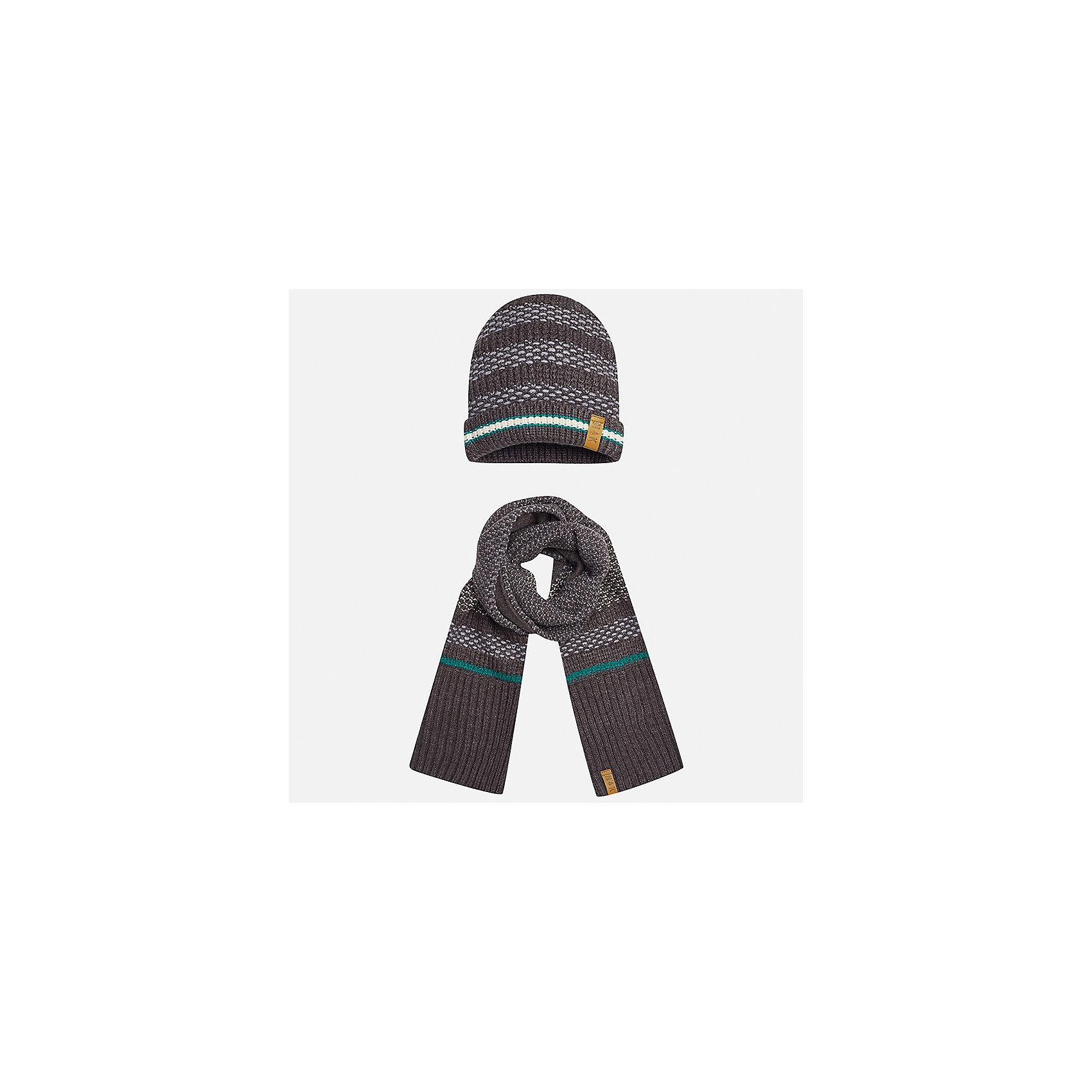 Комплект: шапка и шарф Mayoral для мальчикаШарфы, платки<br>Характеристики товара:<br><br>• цвет: серый<br>• состав ткани: 100% акрил<br>• сезон: демисезон<br>• комплектация: шапка, шарф<br>• страна бренда: Испания<br>• страна изготовитель: Индия<br><br>Оригинальный детский комплект из шарфа и шапки смотрится аккуратно и стильно. Демисезонные шапка и шарф для мальчика от популярного бренда Mayoral помогут дополнить наряд и обеспечить комфорт в прохладную погоду. Для производства таких демисезонных комплектов популярный бренд Mayoral используют только качественную фурнитуру и материалы. Оригинальные и модные шапка и шарф от Майорал привлекут внимание и понравятся детям.<br><br>Комплект: шапка и шарф для мальчика Mayoral (Майорал) можно купить в нашем интернет-магазине.<br><br>Ширина мм: 89<br>Глубина мм: 117<br>Высота мм: 44<br>Вес г: 155<br>Цвет: черный<br>Возраст от месяцев: 96<br>Возраст до месяцев: 120<br>Пол: Мужской<br>Возраст: Детский<br>Размер: 56,52,54<br>SKU: 6939366