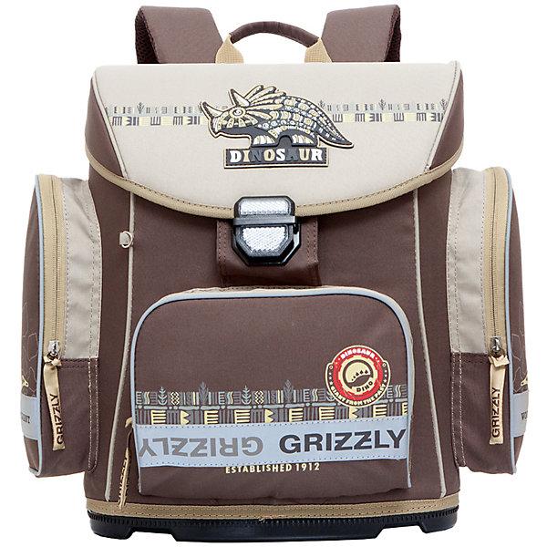 Ранец Grizzly без наполнения, коричневыйРанцы<br>Рюкзак, одно отделение, твердый клапан, объемный карман на молнии на передней стенке, объемные боковые карманы на молнии, внутренний карман на молнии, пластиковое формованное дно, разделительная перегородка-органайзер, жесткая анатомическая спинка, дополнительная ручка-петля, укрепленные лямки с возможностью регулировки размера под рост, брелок-катафот, светоотражающие элементы с четырех сторон<br>Ширина мм: 340; Глубина мм: 190; Высота мм: 380; Вес г: 983; Возраст от месяцев: 72; Возраст до месяцев: 96; Пол: Мужской; Возраст: Детский; SKU: 6939803;