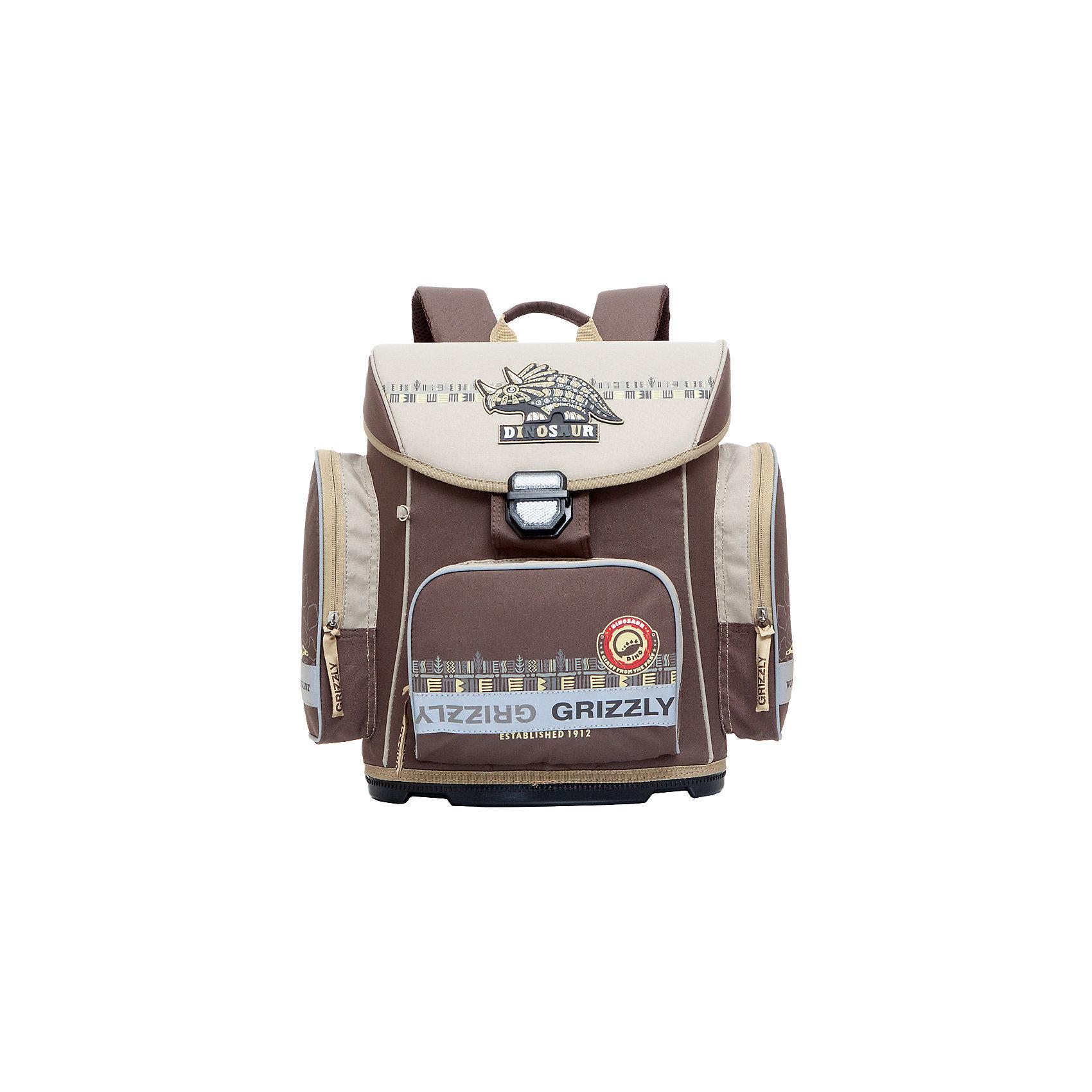 Ранец Grizzly без наполнения, коричневыйРанцы<br>Рюкзак, одно отделение, твердый клапан, объемный карман на молнии на передней стенке, объемные боковые карманы на молнии, внутренний карман на молнии, пластиковое формованное дно, разделительная перегородка-органайзер, жесткая анатомическая спинка, дополнительная ручка-петля, укрепленные лямки с возможностью регулировки размера под рост, брелок-катафот, светоотражающие элементы с четырех сторон<br><br>Ширина мм: 340<br>Глубина мм: 190<br>Высота мм: 380<br>Вес г: 983<br>Возраст от месяцев: 72<br>Возраст до месяцев: 96<br>Пол: Мужской<br>Возраст: Детский<br>SKU: 6939803