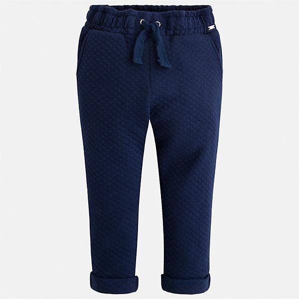 Брюки для девочки MayoralБрюки<br>Характеристики товара:<br><br>• цвет: синий<br>• состав ткани: 86% хлопок, 14% полиэстер<br>• сезон: демисезон<br>• особенности модели: отвороты<br>• пояс: резинка и шнурок<br>• страна бренда: Испания<br>• страна изготовитель: Индия<br><br>Синие брюки сшиты из дышащего приятного на ощупь материала. Благодаря преобладанию в его составе натурального хлопка материал детских брюк создает комфортные условия для тела. Брюки для девочки отличаются стильным дизайном.<br><br>Брюки для девочки Mayoral (Майорал) можно купить в нашем интернет-магазине.<br><br>Ширина мм: 215<br>Глубина мм: 88<br>Высота мм: 191<br>Вес г: 336<br>Цвет: синий<br>Возраст от месяцев: 24<br>Возраст до месяцев: 36<br>Пол: Женский<br>Возраст: Детский<br>Размер: 98,134,128,122,116,110,104<br>SKU: 6945029