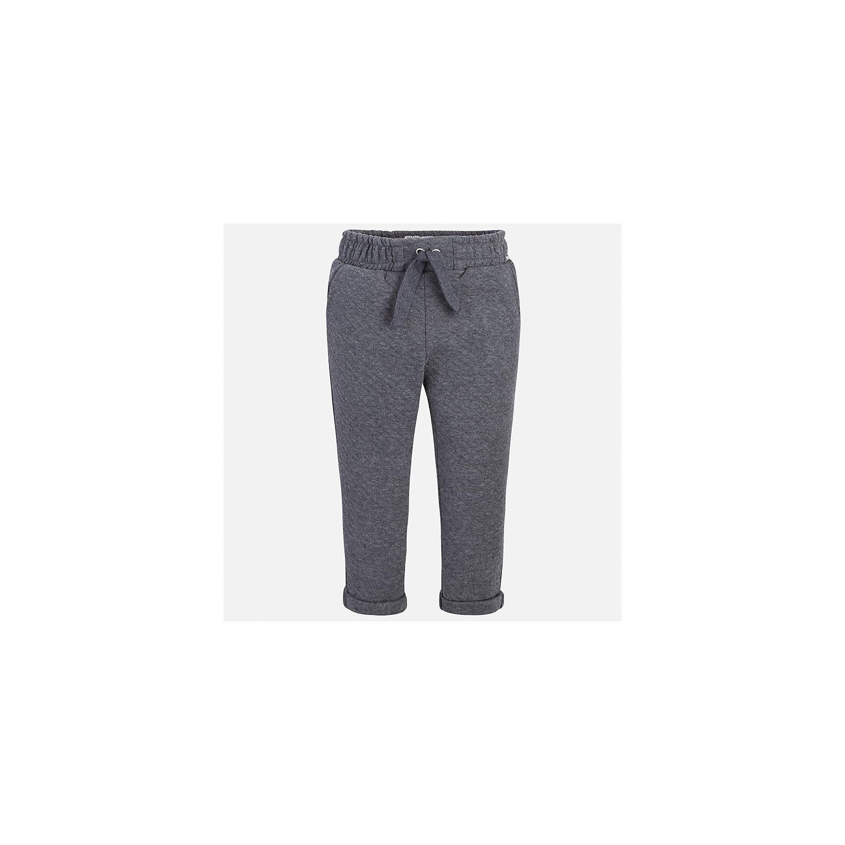Брюки для девочки MayoralБрюки<br>Характеристики товара:<br><br>• цвет: серый<br>• состав ткани: 86% хлопок, 14% полиэстер<br>• сезон: демисезон<br>• особенности модели: отвороты<br>• пояс: резинка и шнурок<br>• страна бренда: Испания<br>• страна изготовитель: Индия<br><br>Модные брюки для девочки от Майорал помогут обеспечить ребенку комфорт. Такие детские брюки отличаются лаконичным дизайном. В брюках классического силуэта для девочки от испанской компании Майорал ребенок будет выглядеть модно, а чувствовать себя - комфортно. <br><br>Брюки для девочки Mayoral (Майорал) можно купить в нашем интернет-магазине.<br><br>Ширина мм: 215<br>Глубина мм: 88<br>Высота мм: 191<br>Вес г: 336<br>Цвет: серый<br>Возраст от месяцев: 24<br>Возраст до месяцев: 36<br>Пол: Женский<br>Возраст: Детский<br>Размер: 98,134,128,122,116,110,104<br>SKU: 6945037