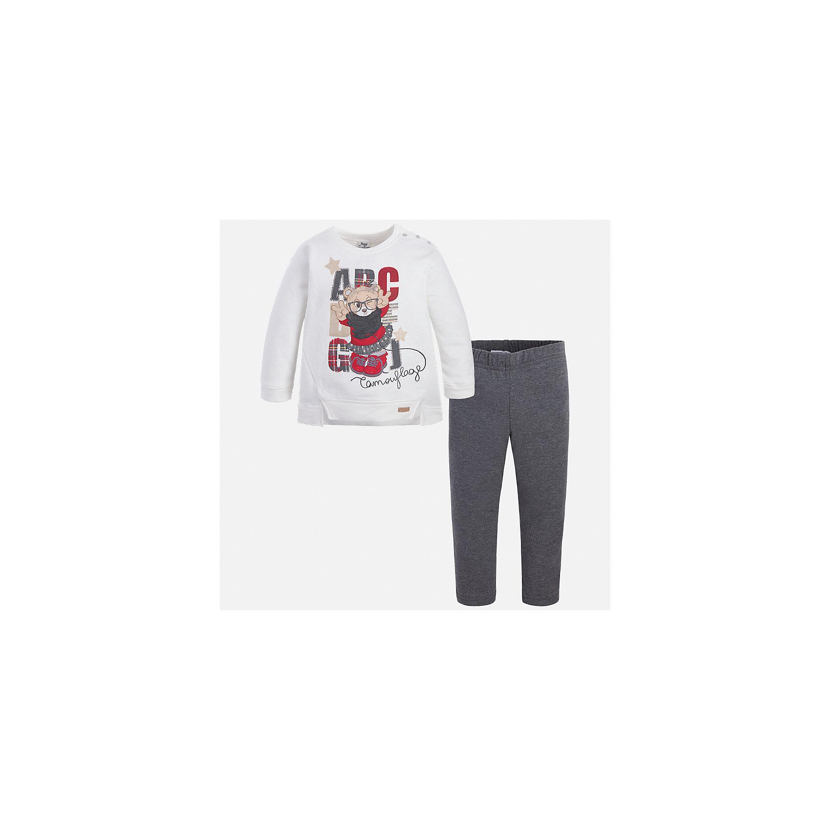 Комплект: блузка и леггинсы для девочки MayoralКомплекты<br>Характеристики товара:<br><br>• цвет: белый/серый<br>• состав ткани: блузка - 95% хлопок, 5% эластан, брюки - 47% хлопок, 48% полиэстер, 5% эластан<br>• комплектация: блузка и леггинсы<br>• сезон: демисезон<br>• особенности модели: принт с блестками<br>• длинные рукава<br>• пояс: резинка <br>• страна бренда: Испания<br>• страна изготовитель: Индия<br><br>Симпатичный детский комплект из блузки и леггинсов подойдет для ношения в разных случаях. Отличный способ обеспечить ребенку тепло и комфорт - надеть детские блузку и леггинсы от Mayoral. Детские леггинсы сшиты из приятного на ощупь материала. Блуза для девочки Mayoral удобно сидит по фигуре. <br><br>Комплект: блузка и леггинсы для девочки Mayoral (Майорал) можно купить в нашем интернет-магазине.<br><br>Ширина мм: 123<br>Глубина мм: 10<br>Высота мм: 149<br>Вес г: 209<br>Цвет: белый/серый<br>Возраст от месяцев: 96<br>Возраст до месяцев: 108<br>Пол: Женский<br>Возраст: Детский<br>Размер: 134,92,98,104,110,116,122,128<br>SKU: 6945090