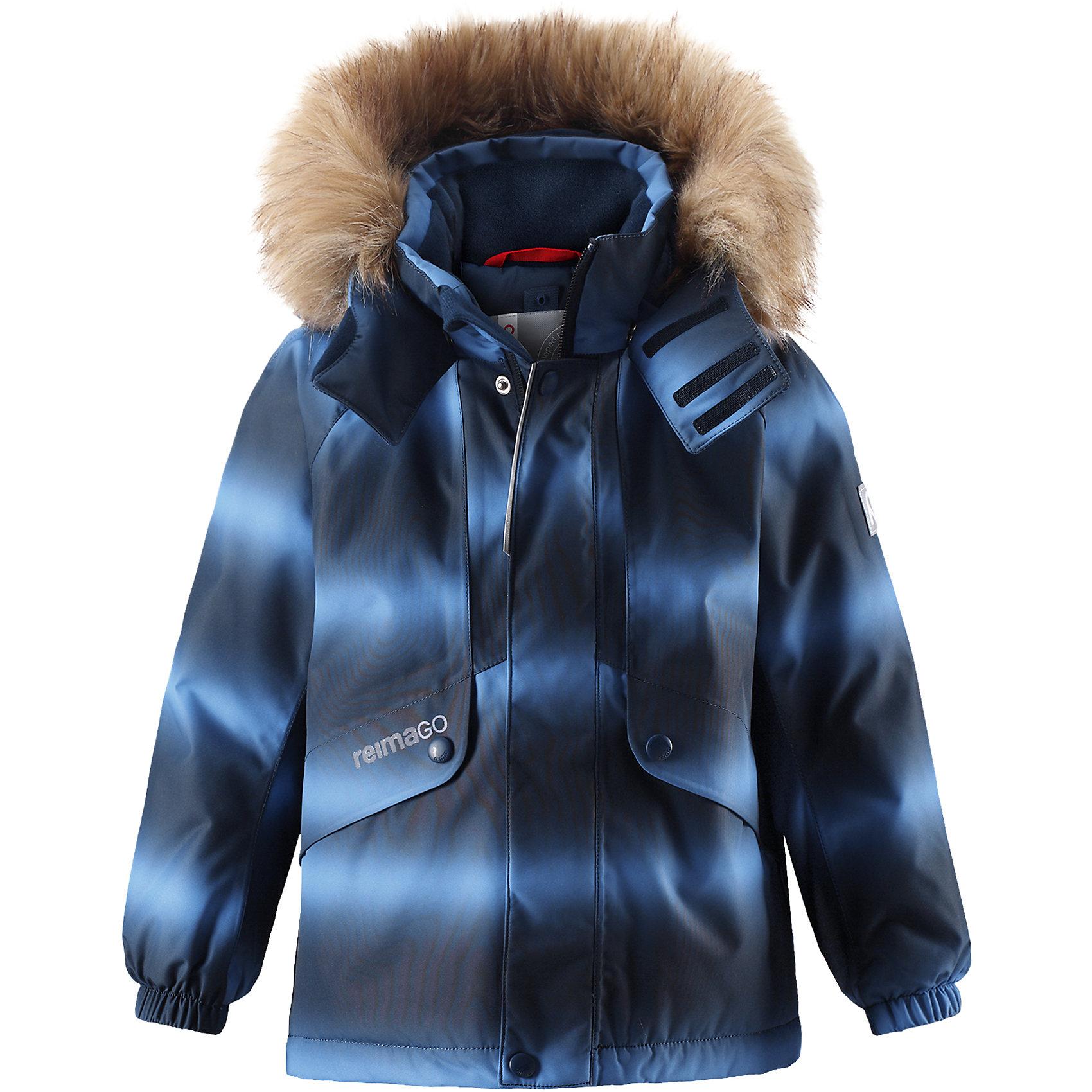Куртка Reimatec® Reima FuruОдежда<br>Характеристики товара:<br><br>• цвет: синий;<br>• состав: 100% полиэстер;<br>• подкладка: 100% полиэстер;<br>• утеплитель: 160 г/м2<br>• температурный режим: от 0 до -20С;<br>• сезон: зима; <br>• водонепроницаемость: 15000 мм;<br>• воздухопроницаемость: 7000 мм;<br>• износостойкость: 40000 циклов (тест Мартиндейла);<br>• водо- и ветронепроницаемый, дышащий и грязеотталкивающий материал;<br>• все швы проклеены и водонепроницаемы;<br>• гладкая подкладка из полиэстера;<br>• эластичные манжеты;<br>• застежка: молния с защитой подбородка;<br>• безопасный съемный и регулируемый капюшон на кнопках;<br>• съемный искусственный мех на капюшоне;<br>• регулируемый подол;<br>• два кармана на кнопках;<br>• внутренний нагрудный карман;<br>• карман с креплением для сенсора ReimaGO®;<br>• светоотражающие детали;<br>• страна бренда: Финляндия;<br>• страна изготовитель: Китай.<br><br>Детская непромокаемая зимняя куртка Reimatec® изготовлена из водо и ветронепроницаемого, дышащего и прочного материала с высокими грязеотталкивающими свойствами. Все швы проклеены, водонепроницаемы. В этой модели прямого покроя подол при необходимости легко регулируется, что позволяет подогнать куртку точно по фигуре. Она снабжена съемным и регулируемым капюшоном со съемной отделкой из искусственного меха.<br><br>С помощью удобной системы кнопок Play Layers® к этой куртке можно присоединять одежду промежуточного слоя Reima®, которая подарит вашему ребенку дополнительное тепло и комфорт. В куртке предусмотрены два кармана на молнии, внутренний нагрудный карман, карман для сенсора ReimaGO® и множество светоотражающих деталей. Эта куртка очень проста в уходе, кроме того, ее можно сушить в стиральной машине.<br><br>Куртку Furu Reimatec® Reima от финского бренда Reima (Рейма) можно купить в нашем интернет-магазине<br><br>Ширина мм: 356<br>Глубина мм: 10<br>Высота мм: 245<br>Вес г: 519<br>Цвет: синий<br>Возраст от месяцев: 36<br>Возраст до месяцев: 48<br>Пол: Унисекс<br>Возр