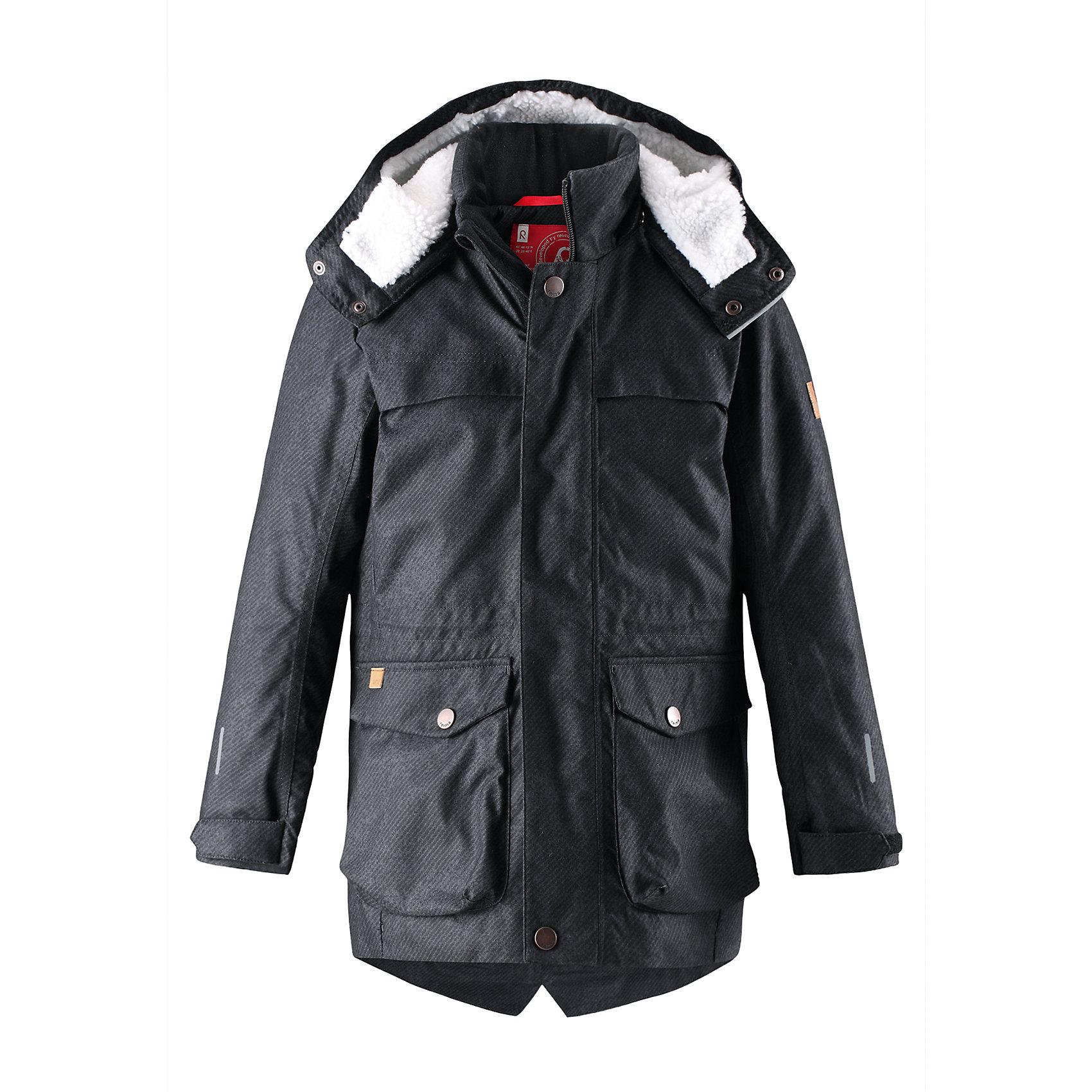 Куртка Pentti для мальчика ReimaОдежда<br>Теплая, водо- и ветронепроницаемая зимняя куртка Reimatec® для детей и подростков. Материал куртки не только водонепроницаемый, ветронепроницаемый и при этом дышащий, но также имеет водо- и грязеотталкивающую поверхность. Все основные швы проклеены, водонепроницаемы. Верхняя часть куртки и капюшон подбиты теплой стеганой подкладкой. <br><br>Куртка снабжена съемным капюшоном, что обеспечивает дополнительную безопасность во время активных прогулок – капюшон легко отстегивается, если случайно за что-нибудь зацепится. Образ довершают практичные детали: завязки на талии, два больших кармана с клапанами, длинная молния высокого качества и светоотражающие элементы.<br>Состав:<br>100% Полиэстер<br><br>Ширина мм: 356<br>Глубина мм: 10<br>Высота мм: 245<br>Вес г: 519<br>Цвет: черный<br>Возраст от месяцев: 156<br>Возраст до месяцев: 168<br>Пол: Мужской<br>Возраст: Детский<br>Размер: 164,104,110,116,122,128,134,140,146,152,158<br>SKU: 6964560
