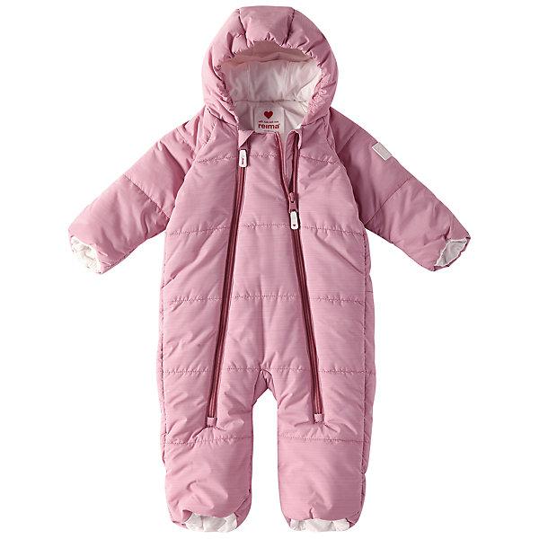 Комбинезон Reima Lumikko для девочкиВерхняя одежда<br>Характеристики товара:<br><br>• цвет: розовый;<br>• состав: 100% полиэстер;<br>• подкладка: 100% хлопок, джерси;<br>• утеплитель: 200 г/м2 Flex insulation;<br>• сезон: зима;<br>• температурный режим: от -10 до -30С;<br>• водонепроницаемость: 10000 мм;<br>•воздухопроницаемость: 11000;<br>• водо- и ветронепроницаемый и дышащий материал;<br>• застежка: две молнии с защитой подбородка;<br>• гладкая, приятная на ощупь подкладка из материала Jersey;<br>• фиксированный капюшон;<br>• рукава и штанины с подгибом во всех размерах;<br>• съемные эластичные штрипки в размерах от 62/68 до 74/80;<br>• светоотражающие детали;<br>• страна бренда: Финляндия;<br>• страна изготовитель: Китай.<br><br>Симпатичный и невероятно теплый комбинезон для самых маленьких! Этот комбинезон для новорожденных сшит из водо- и ветронепроницаемого материала и подбит мягкой подкладкой из джерси. Он снабжен подворачивающимися манжетами на рукавах и концах брючин, а также несъемным капюшоном.<br><br>Комбинезон Reima Lumikko от финского бренда Reima (Рейма) можно купить в нашем интернет-магазине.<br><br>Ширина мм: 356<br>Глубина мм: 10<br>Высота мм: 245<br>Вес г: 519<br>Цвет: розовый<br>Возраст от месяцев: 6<br>Возраст до месяцев: 9<br>Пол: Женский<br>Возраст: Детский<br>Размер: 74/80,50/56,62/68<br>SKU: 6968353