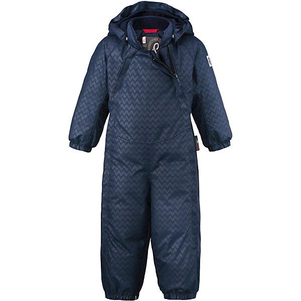Комбинезон-трансформер Reimatec®+ Reima Pouch для мальчикаВерхняя одежда<br>Характеристики товара:<br><br>• цвет: синий;<br>• состав: 100% полиэстер;<br>• подкладка: 100% полиэстер;<br>• утеплитель: 60% пух, 40% перо;<br>• сезон: зима;<br>• температурный режим: от 0 до -20С;<br>• водонепроницаемость: 15000 мм;<br>• воздухопроницаемость: 7000 мм;<br>• износостойкость: 40000 циклов (тест Мартиндейла);<br>• водо- и ветронепроницаемый, дышащий и грязеотталкивающий материал;<br>• все швы проклеены и водонепроницаемы;<br>• застежка: молния с защитой подбородка;<br>• гладкая подкладка из полиэстера;<br>• безопасный, съемный и регулируемый капюшон;<br>• эластичные манжеты;<br>• эластичный пояс сзади;<br>• прочные съемные силиконовые штрипки;<br>• карман на молнии;<br>• светоотражающие детали;<br>• страна бренда: Финляндия;<br>• страна изготовитель: Китай.<br><br>Невероятно теплый и практичный пуховый комбинезон для малышей с помощью молнии в одно мгновение превращается в конверт! Этот зимний комбинезон для малышей изготовлен из наших лучших материалов: Качество Reimatec®+ означает абсолютно водо и ветронепроницаемую, прочную и дышащую одежду – качество, которое позволяет детям весело играть на свежем воздухе в тепле и сухости. <br><br>Две длинные молнии спереди облегчают надевание, а регулируемый капюшон при желании можно снять. Съемный капюшон обеспечивает дополнительную безопасность во время игр на улице – благодаря кнопкам он легко отстегнется, если случайно за что-нибудь зацепится.<br><br>Комбинезон-трансформер Reimatec®+ Reima Pouch от финского бренда Reima (Рейма) можно купить в нашем интернет-магазине.<br><br>Ширина мм: 356<br>Глубина мм: 10<br>Высота мм: 245<br>Вес г: 519<br>Цвет: синий<br>Возраст от месяцев: 3<br>Возраст до месяцев: 6<br>Пол: Мужской<br>Возраст: Детский<br>Размер: 62/68,74/80<br>SKU: 6968399