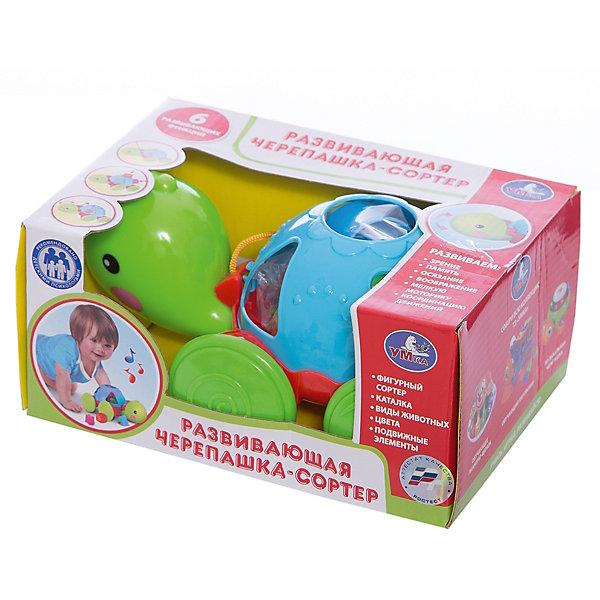 Каталка-черепаха  на веревочке, с сортером, УмкаИгрушки для малышей<br>Характеристики:<br><br>• встроенный сортер;<br>• световые и звуковые эффекты;<br>• материал: пластик;<br>• размер упаковки: 15х10х21 см;<br>• вес: 360 грамм;<br>• возраст: от 12 месяцев.<br><br>Каталка от компании «Умка» выполнена в виде небольшой черепахи на колесиках. В панцире есть несколько отверстий, в которые ребенку нужно положить соответствующие фигурки. <br><br>Каталка дополнена веревочкой, держась за которую ребенок сможет катать черепаху по поверхности. Во время игры черепаха издает звуки, общается с малышом и светится. Игрушка развивает моторику рук, координацию движений и логическое мышление. <br><br>Каталку-черепаху на веревочке, с сортером, Умка можно купить в нашем интернет-магазине.<br><br>Ширина мм: 21<br>Глубина мм: 10<br>Высота мм: 15<br>Вес г: 360<br>Возраст от месяцев: 12<br>Возраст до месяцев: 36<br>Пол: Унисекс<br>Возраст: Детский<br>SKU: 6970778