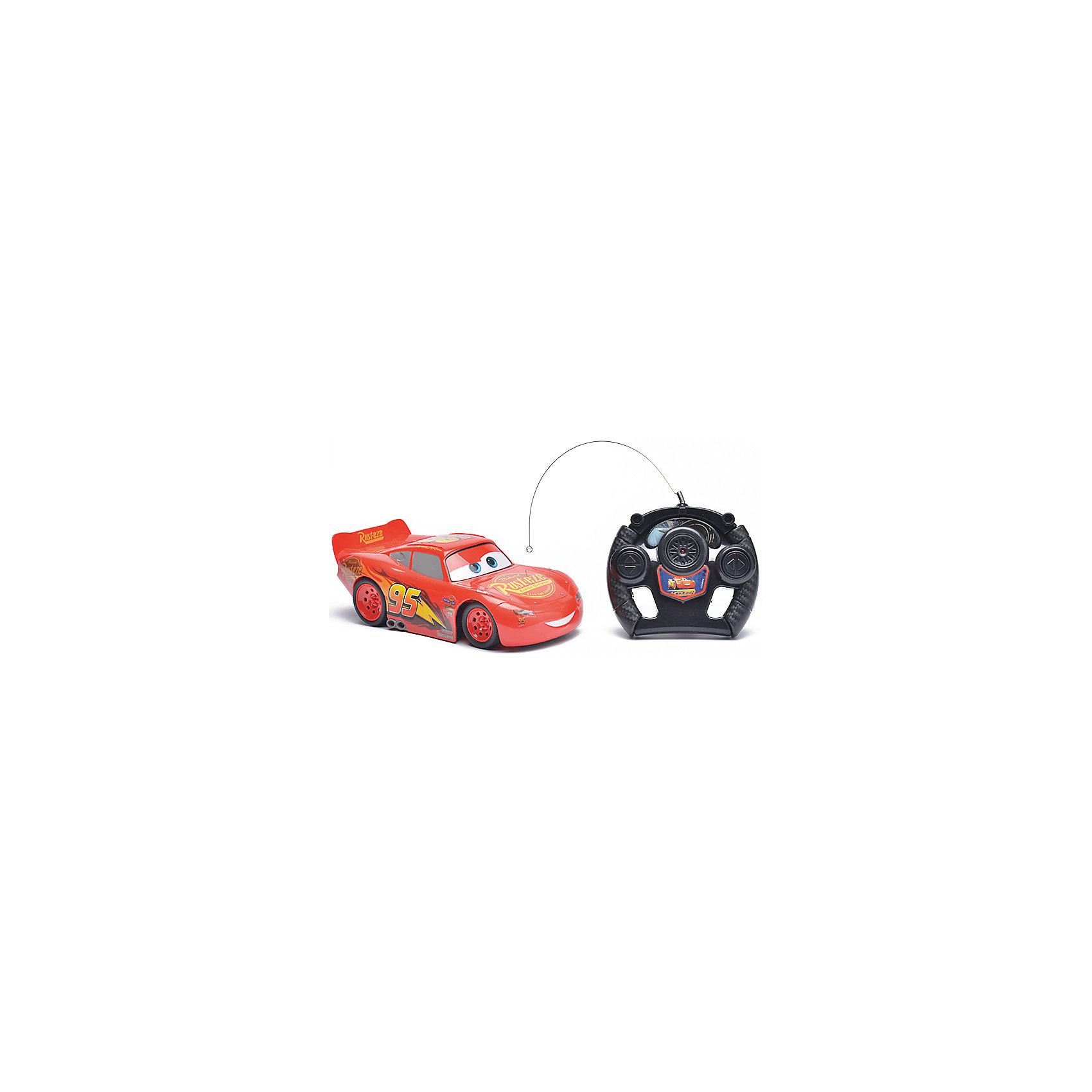 Радиоуправляемая машина Disney Молния Маккуин, 22 смРадиоуправляемый транспорт<br>Характеристики товара:<br><br>• размер игрушки: 22 см;<br>• управление: пульт ДУ;<br>• направление движения: вперед, назад, вправо, влево;<br>• в комплекте: автомобиль, пульт ДУ;<br>• цвет: красный/черный;<br>• батарейки: АА - 5 шт. (не входят в комплект);<br>• материал: пластик;<br>• размер упаковки: 15,5х13,5х36 см;<br>• вес: 523 грамма;<br>• возраст: от 3 лет.<br><br>Радиоуправляемая машина Молния Маккуин - прекрасный подарок для любителей мультфильма «Тачки». Маккуин управляется пультом дистанционного управления и ездит в четырех направлениях: вперед, назад, вправо и влево. <br><br>Пульт выполнен в виде руля, поэтому ребенок сможет представить себя гонщиком, сидящим за рулем гоночного автомобиля. Игрушка изготовлена из прочного пластика, безопасного для детей. Для работы необходимы 5 батареек АА (не входят в комплект).<br><br>Радиоуправляемую машину Disney Молния Маккуин, 22 см можно купить в нашем интернет-магазине.<br><br>Ширина мм: 360<br>Глубина мм: 135<br>Высота мм: 155<br>Вес г: 523<br>Возраст от месяцев: 36<br>Возраст до месяцев: 72<br>Пол: Мужской<br>Возраст: Детский<br>SKU: 6982803