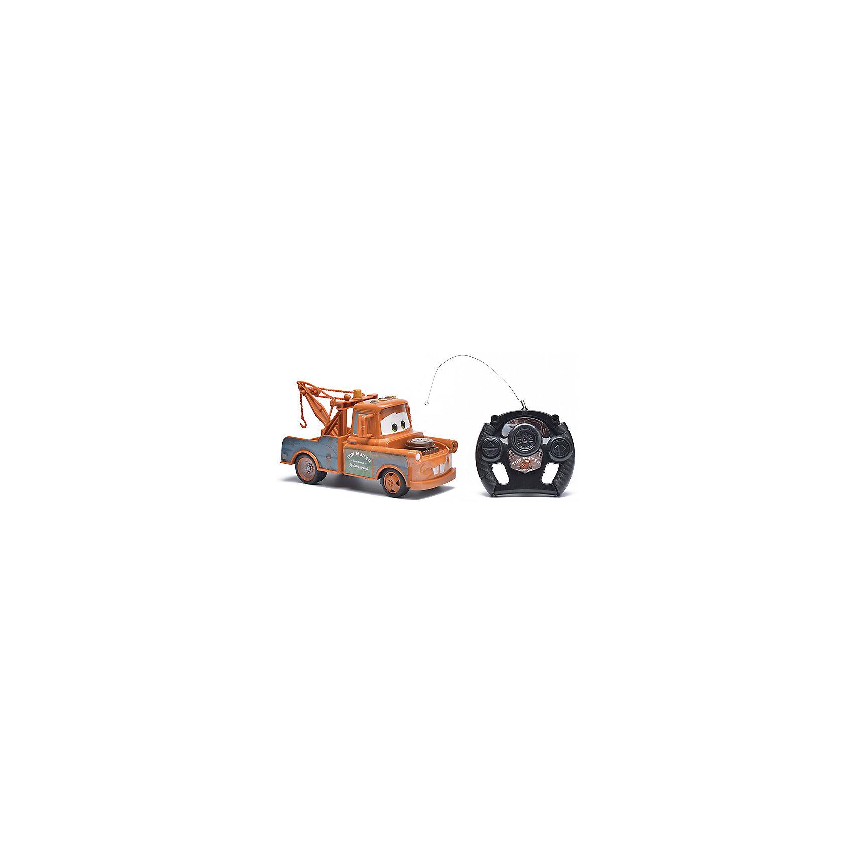 Радиоуправляемая машина Disney Мэтр, 22 смТачки<br>Характеристики товара:<br><br>• размер игрушки: 22 см;<br>• управление: пульт ДУ;<br>• направление движения: вперед, назад, вправо, влево;<br>• в комплекте: автомобиль, пульт ДУ;<br>• цвет: коричневый/черный;<br>• батарейки: АА - 5 шт. (не входят в комплект);<br>• материал: пластик;<br>• размер упаковки: 15,5х13,5х36 см;<br>• вес: 523 грамма;<br>• возраст: от 3 лет.<br><br>Мэтр - лучший друг Молнии Маккуина из мультфильма «Тачки». Его выразительные глаза и необычная окраска знакомы каждому поклоннику мультфильма. Радиоуправляемая машина Мэтр - настоящая копия своего прототипа. Он быстро ездит вперед, назад, вправо и влево. Управлять Мэтром можно при помощи пульта дистанционного управления.<br><br>Пульт выполнен в виде руля, поэтому ребенок сможет представить себя гонщиком, сидящим за рулем гоночного автомобиля. Игрушка изготовлена из прочного пластика, безопасного для детей. Для работы необходимы 5 батареек АА (не входят в комплект).<br><br>Радиоуправляемую машину Disney Мэтр, 22 см можно купить в нашем интернет-магазине.<br><br>Ширина мм: 360<br>Глубина мм: 135<br>Высота мм: 155<br>Вес г: 523<br>Возраст от месяцев: 36<br>Возраст до месяцев: 72<br>Пол: Мужской<br>Возраст: Детский<br>SKU: 6982804