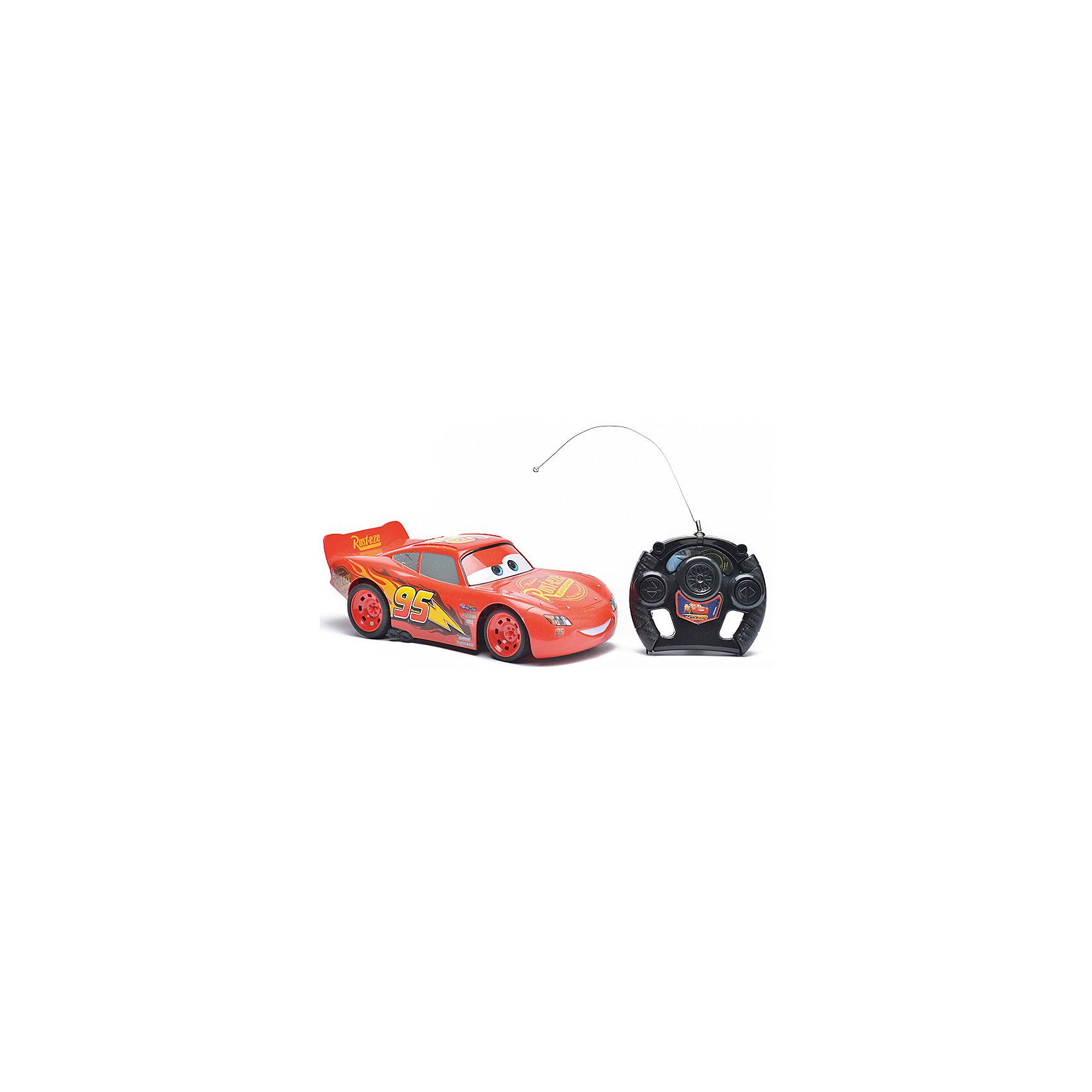 Радиоуправляемая машина Disney Молния Маккуин, 28 смРадиоуправляемый транспорт<br>Характеристики товара:<br><br>• размер игрушки: 28 см;<br>• управление: пульт ДУ;<br>• направление движения: вперед, назад, вправо, влево;<br>• в комплекте: автомобиль, пульт ДУ;<br>• цвет: красный/черный;<br>• материал: пластик;<br>• размер упаковки: 19,5х41,5 см;<br>• вес: 650 грамм;<br>• возраст: от 3 лет.<br><br>Радиоуправляемая машина Disney - отличный подарок поклонникам мультфильма «Тачки». Машинка выполнена в виде Молнии Маккуина и является реалистичной копией своего прототипа. Маккуин ездит вправо, влево, вперед и назад. Для управления игрушкой в комплект входит пульт дистанционного управления.<br><br>Пульт выполнен в виде руля, поэтому ребенок сможет представить себя гонщиком, сидящим за рулем гоночного автомобиля. Игрушка изготовлена из прочного пластика, безопасного для детей. Размер игрушки - 28 сантиметров.<br><br>Радиоуправляемую машину Disney Молния Маккуин, 28 см можно купить в нашем интернет-магазине.<br><br>Ширина мм: 415<br>Глубина мм: 170<br>Высота мм: 195<br>Вес г: 650<br>Возраст от месяцев: 36<br>Возраст до месяцев: 72<br>Пол: Мужской<br>Возраст: Детский<br>SKU: 6982806