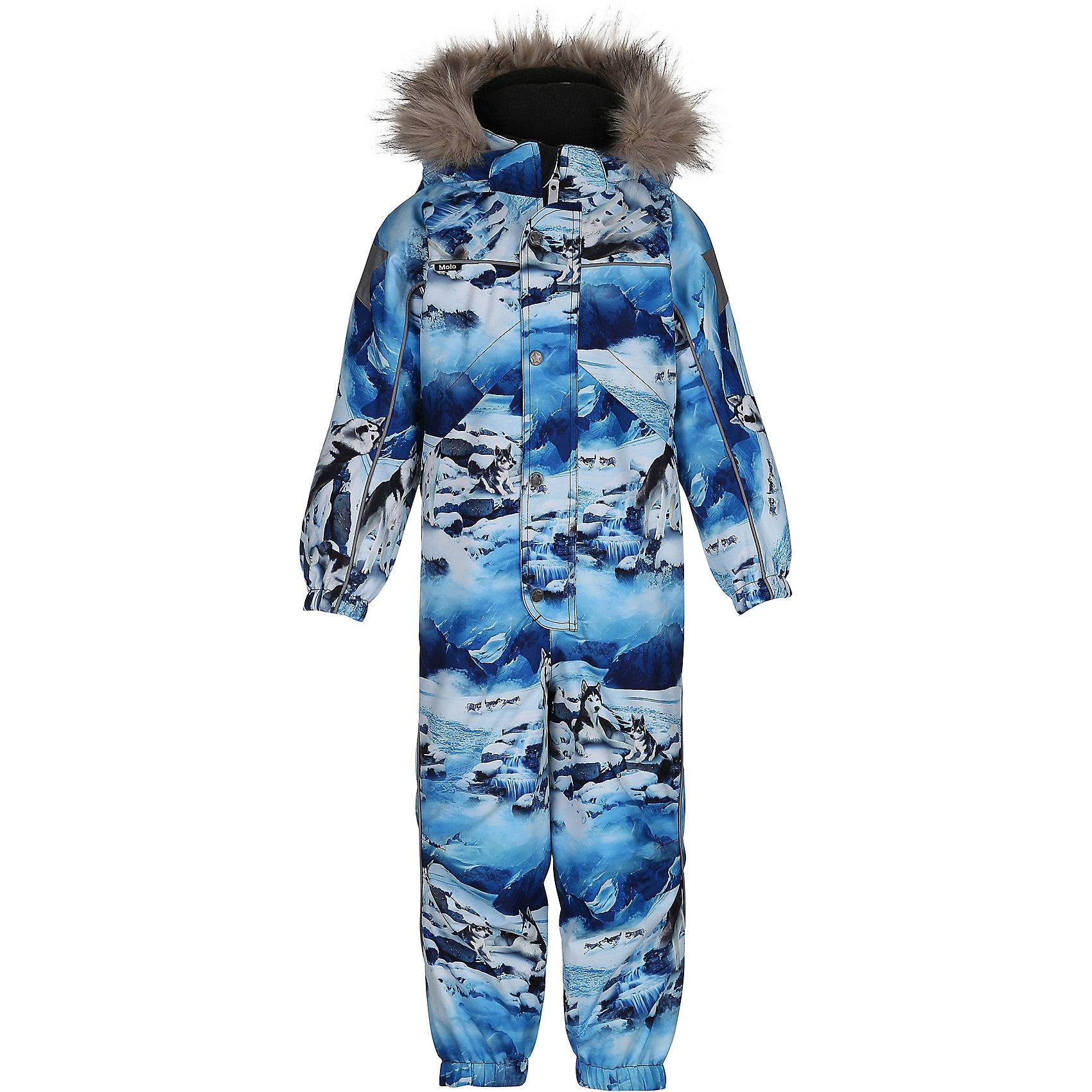 Комбинезон MOLO для мальчикаВерхняя одежда<br>Зимний комбинезон Molo <br>• состав: 100% нейлон, 100% полиэстер<br>• температурный режим: 0° до -25° градусов<br>• утеплитель:  ThinsulateTM  прекрасно сохраняющий тепло,  позволяет телу дышать и остается при этом сухим и легким<br>• водонепроницаемость: 10 000 мм<br>• отвод влаги: 8 000 г/м2/24ч<br>• основные швы проклеены<br>• съёмный капюшон<br>• удобные молнии<br>• «дышащий» материал<br>• ветро- водо- и грязеотталкивающий материал<br>• ветрозащитная планка<br>• комфортная посадка<br>• прочные съёмные силиконовые штрипки<br>• страна производства: Китай<br>• страна бренда: Дания <br> Фантастический и причудливый датский бренд Molo это самый актуальный и стильный дизайн в детской одежде для маленьких модников.<br><br>Ширина мм: 215<br>Глубина мм: 88<br>Высота мм: 191<br>Вес г: 336<br>Цвет: белый<br>Возраст от месяцев: 72<br>Возраст до месяцев: 84<br>Пол: Мужской<br>Возраст: Детский<br>Размер: 122,104,110,116<br>SKU: 6995064