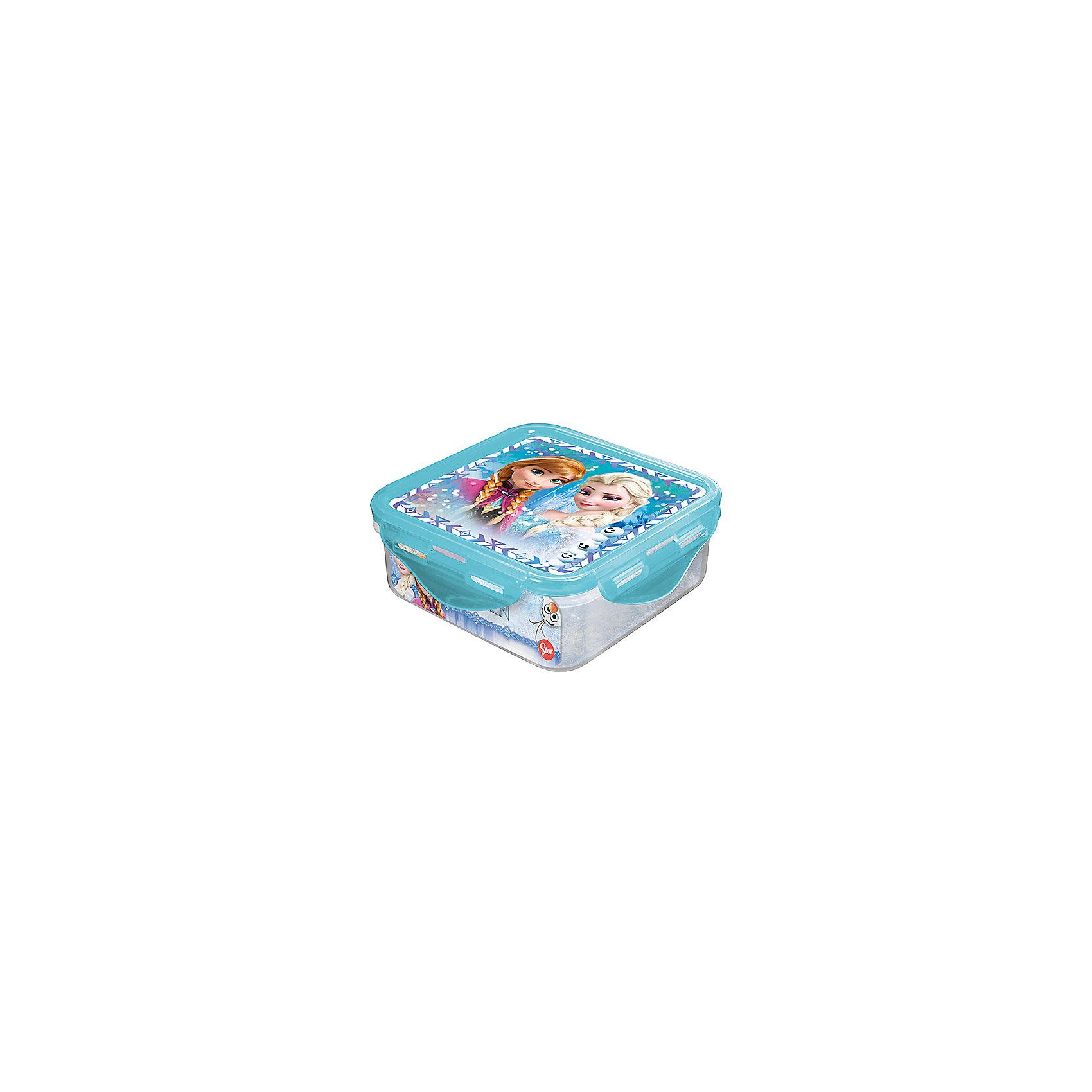 Контейнер пластиковый 500 мл., Холодное сердцеПосуда<br>Характеристики:<br><br>• возраст: от 3 лет;<br>• объем: 500 мл;<br>• дополнительные опции: с крышкой;<br>• материал: пищевой пластик;<br>• размер контейнера: 12,3х12,3х6,7 см;<br>• вес: 88 г.<br>   <br>Контейнер с крышкой предназначен для хранения пищевых продуктов. <br><br>Красочный контейнер с изображением любимых детских героев подойдет для школьных обедов. Компактная форма легко помещается в рюкзак. Крышка герметично закрывает контейнер и препятствует проникновению посторонних запахов. <br><br>Можно использовать с любыми видами пищевых продуктов.<br><br>Контейнер пластиковый 500 мл., Холодное сердце, Stor можно приобрести в нашем интернет-магазине.<br><br>Ширина мм: 123<br>Глубина мм: 67<br>Высота мм: 123<br>Вес г: 88<br>Возраст от месяцев: 36<br>Возраст до месяцев: 2147483647<br>Пол: Унисекс<br>Возраст: Детский<br>SKU: 7010333
