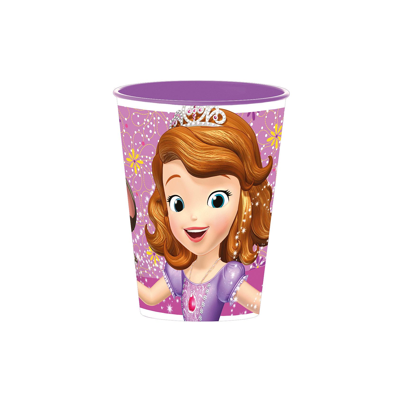Стакан пластиковый 260 мл., Принцесса СофияПосуда<br>Характеристики:<br><br>• возраст: от 3 лет;<br>• объем: 260 мл;<br>• материал: пищевой пластик;<br>• размер: 7,6х7,6х9,7 см;<br>• вес: 20 г.<br>   <br>Красочный детский стакан с изображениями любимых телевизионных героев предназначен для детей от 3 лет. Яркую посуду можно использовать дома, брать с собой в дорогу или на пикник. <br><br>Стакан изготовлен из высококачественного пищевого пластика. Его можно использовать для обучения детей самостоятельному приему пищи, потому что стакан не бьется и безопасен для малышей.<br><br>Стакан пластиковый 260 мл., Принцесса София, Stor можно приобрести в нашем интернет-магазине.<br><br>Ширина мм: 76<br>Глубина мм: 76<br>Высота мм: 97<br>Вес г: 20<br>Возраст от месяцев: 36<br>Возраст до месяцев: 2147483647<br>Пол: Унисекс<br>Возраст: Детский<br>SKU: 7010342