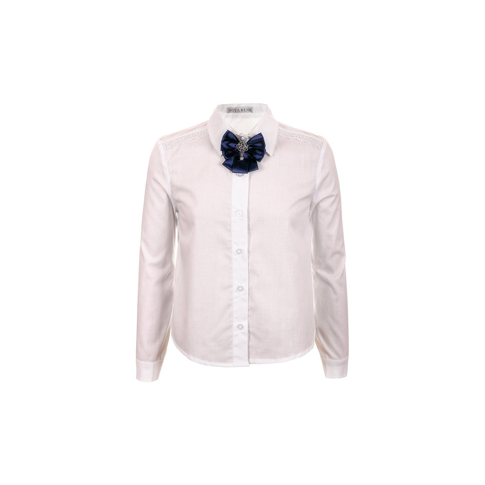 Блузка Nota Bene для девочкиБлузки и рубашки<br>Блузка с длинными рукавами. С рубашечным воротником со стойкой<br>и с цельнокроенной застежкой на пуговицы. <br>На полочке кокетка с кружевной тесьмой белого цвета.<br>Декор текстильный пристегивающийся на булавку<br>Соответствует размеру.<br>Рекомендована предварительная стирка.<br>Состав:<br>65% хлопок; 35% полиэстер<br><br>Ширина мм: 186<br>Глубина мм: 87<br>Высота мм: 198<br>Вес г: 197<br>Цвет: белый<br>Возраст от месяцев: 156<br>Возраст до месяцев: 168<br>Пол: Женский<br>Возраст: Детский<br>Размер: 164,146,152,158<br>SKU: 7012264