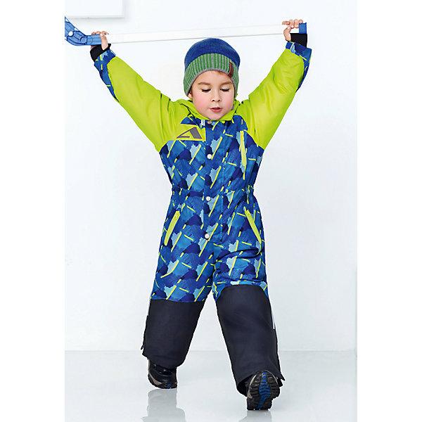 Комбинезон Камо OLDOS ACTIVE для мальчикаВерхняя одежда<br>Характеристики товара:<br><br>• цвет: серый<br>• состав ткани: полиэстер, Teflon<br>• подкладка: флис, гладкий полиэстер<br>• утеплитель: Hollofan pro<br>• сезон: зима<br>• мембрана<br>• температурный режим: от -30 до +5<br>• водонепроницаемость: 5000 мм <br>• паропроницаемость: 5000 г/м2<br>• плотность утеплителя: 200 г/м2<br>• застежка: молния<br>• капюшон: без меха, съемный<br>• силиконовые штрипки<br>• страна бренда: Россия<br>• страна изготовитель: Россия<br><br>Этот теплый комбинезон декорирован ярким принтом. Детский комбинезон благодаря мембранной технологии рассчитан даже на сильные морозы. Зимний комбинезон от бренда Oldos отличается прочным верхом и теплым наполнителем. Этот детский комбинезон защищает от ветра и снега благодаря удобному капюшону, воротнику-стойке, планкам и резинкам по краю. <br><br>Внешнее покрытие Teflon - защита от воды и грязи, за изделием легко ухаживать. Мембрана 5000/5000 обеспечивает водонепроницаемость, отвод влаги и комфортную атмосферу внутри. Гипоаллергенный утеплитель HOLLOFAN PRO 200 г/м2 тоньше обычного, но эффективнее удерживает тепло. Подкладка – флис, в рукавах и брючинах – гладкий полиэстер. Флис имеет двустороннюю антипиллинговую обработку, что позволяет надолго сохранить внешний вид и его основные характеристики. <br><br>Комбинезон принтованный, силуэт приталенный, карманы на молнии, светоотражающие элементы, нашивка – потеряшка. Изделие прекрасно защитит от ветра и снега благодаря съемному капюшону с регулировкой объема, воротнику - стойке, ветрозащитным планкам, снего - ветрозащитным муфтам с антискользящей резинкой. Манжеты регулируются по ширине липучкой, есть дополнительные мягкие манжеты с отверстием для большого пальца, силиконовые штрипки.<br><br>Комбинезон Камо Oldos (Олдос) для девочки можно купить в нашем интернет-магазине.<br><br>Ширина мм: 356<br>Глубина мм: 10<br>Высота мм: 245<br>Вес г: 519<br>Цвет: синий<br>Возраст от месяцев: 24<br>Возраст до