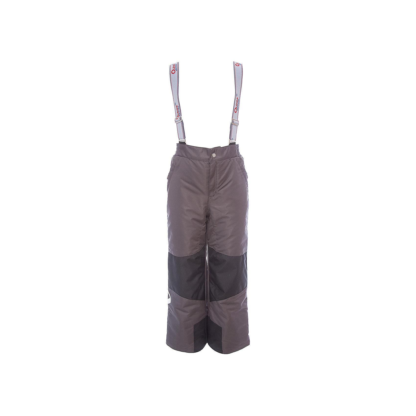 Брюки Вэйл OLDOS для мальчикаВерхняя одежда<br>Характеристики товара:<br><br>• цвет: синий<br>• состав ткани: полиэстер, Teflon<br>• подкладка: полиэстер<br>• утеплитель: Hollofan pro<br>• сезон: зима<br>• мембранное покрытие<br>• температурный режим: от -30 до +5<br>• водонепроницаемость: 5000 мм <br>• паропроницаемость: 5000 г/м2<br>• плотность утеплителя: 150 г/м2<br>• застежка: молния, кнопка, липучка<br>• спинка с лямками: съемные<br>• износостойкая ткань по низу брючин<br>• страна бренда: Россия<br>• страна изготовитель: Россия<br><br>Детские зимние брюки легко надеваются благодаря удобной застежке. Такие брюки для ребенка отлично защищают ребенка от попадания снега внутрь. Такие детские зимние брюки созданы с применением мембранной технологии, поэтому теплые брюки рассчитаны даже на очень холодную погоду и сильный ветер. <br><br>Брюки Вэйл Oldos (Олдос) для мальчика можно купить в нашем интернет-магазине.<br><br>Ширина мм: 215<br>Глубина мм: 88<br>Высота мм: 191<br>Вес г: 336<br>Цвет: темно-синий<br>Возраст от месяцев: 132<br>Возраст до месяцев: 144<br>Пол: Мужской<br>Возраст: Детский<br>Размер: 152,92,98,104,110,116,122,128,134,140,146<br>SKU: 7015906