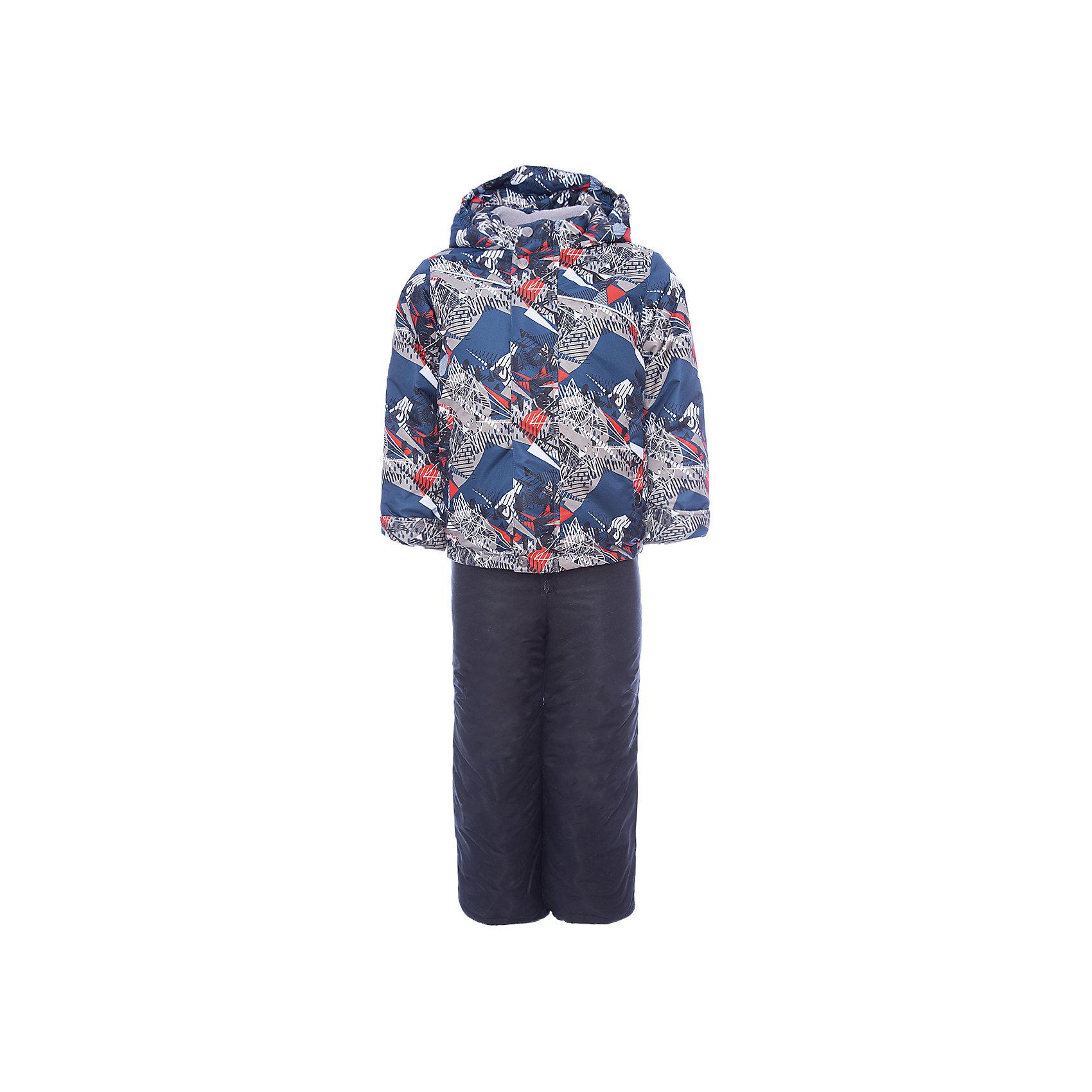 Комплект: куртка и полукомбинезон Альпик OLDOS для мальчикаВерхняя одежда<br>Характеристики товара:<br><br>• цвет: красный<br>• комплектация: куртка и полукомбинезон<br>• состав ткани: полиэстер<br>• подкладка: флис<br>• утеплитель: Hollofan <br>• сезон: зима<br>• мембранное покрытие<br>• температурный режим: от -30 до 0<br>• водонепроницаемость: 3000 мм <br>• паропроницаемость: 3000 г/м2<br>• плотность утеплителя: куртка - 300 г/м2, полукомбинезон - 150 г/м2<br>• застежка: молния<br>• капюшон: без меха, несъемный<br>• страна бренда: Россия<br>• страна изготовитель: Россия<br><br>Мембранный комплект для мальчика отлично подходит для суровой русской зимы. Подкладка зимнего комплекта комбинированная: флис и гладкий полиэстер. Так комплект для ребенка легче надевать. Зимний комплект для мальчика дополнен элементами, помогающими скорректировать размер точно под ребенка. <br><br>Комплект: куртка и полукомбинезон Альпик Oldos (Олдос) для мальчика можно купить в нашем интернет-магазине.<br><br>Ширина мм: 356<br>Глубина мм: 10<br>Высота мм: 245<br>Вес г: 519<br>Цвет: красный<br>Возраст от месяцев: 96<br>Возраст до месяцев: 108<br>Пол: Мужской<br>Возраст: Детский<br>Размер: 134,92,98,104,110,116,122,128<br>SKU: 7016508