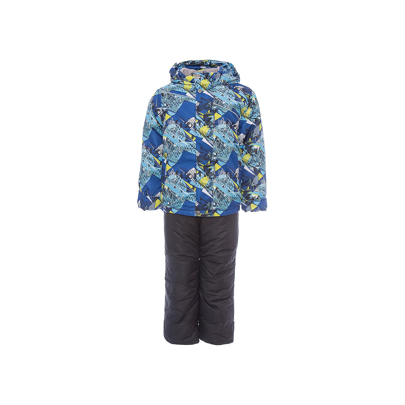 Комплект: куртка и полукомбинезон Альпик OLDOS для мальчикаВерхняя одежда<br>Характеристики товара:<br><br>• цвет: синий<br>• комплектация: куртка и полукомбинезон<br>• состав ткани: полиэстер<br>• подкладка: флис<br>• утеплитель: Hollofan <br>• сезон: зима<br>• мембранное покрытие<br>• температурный режим: от -30 до 0<br>• водонепроницаемость: 3000 мм <br>• паропроницаемость: 3000 г/м2<br>• плотность утеплителя: куртка - 300 г/м2, полукомбинезон - 150 г/м2<br>• застежка: молния<br>• капюшон: без меха, несъемный<br>• страна бренда: Россия<br>• страна изготовитель: Россия<br><br>Модный комплект для мальчика сделан из легких и прочных материалов. Полукомбинезон дополнен удобными эластичными регулируемыми подтяжками, по талии - резинка. Куртка из зимнего комплекта имеет рукава с отворотом и внутренней трикотажной саморегулирующейся манжетой. <br><br>Комплект: куртка и полукомбинезон Альпик Oldos (Олдос) для мальчика можно купить в нашем интернет-магазине.<br><br>Ширина мм: 356<br>Глубина мм: 10<br>Высота мм: 245<br>Вес г: 519<br>Цвет: синий<br>Возраст от месяцев: 18<br>Возраст до месяцев: 24<br>Пол: Мужской<br>Возраст: Детский<br>Размер: 92,134,128,122,116,110,104,98<br>SKU: 7016513