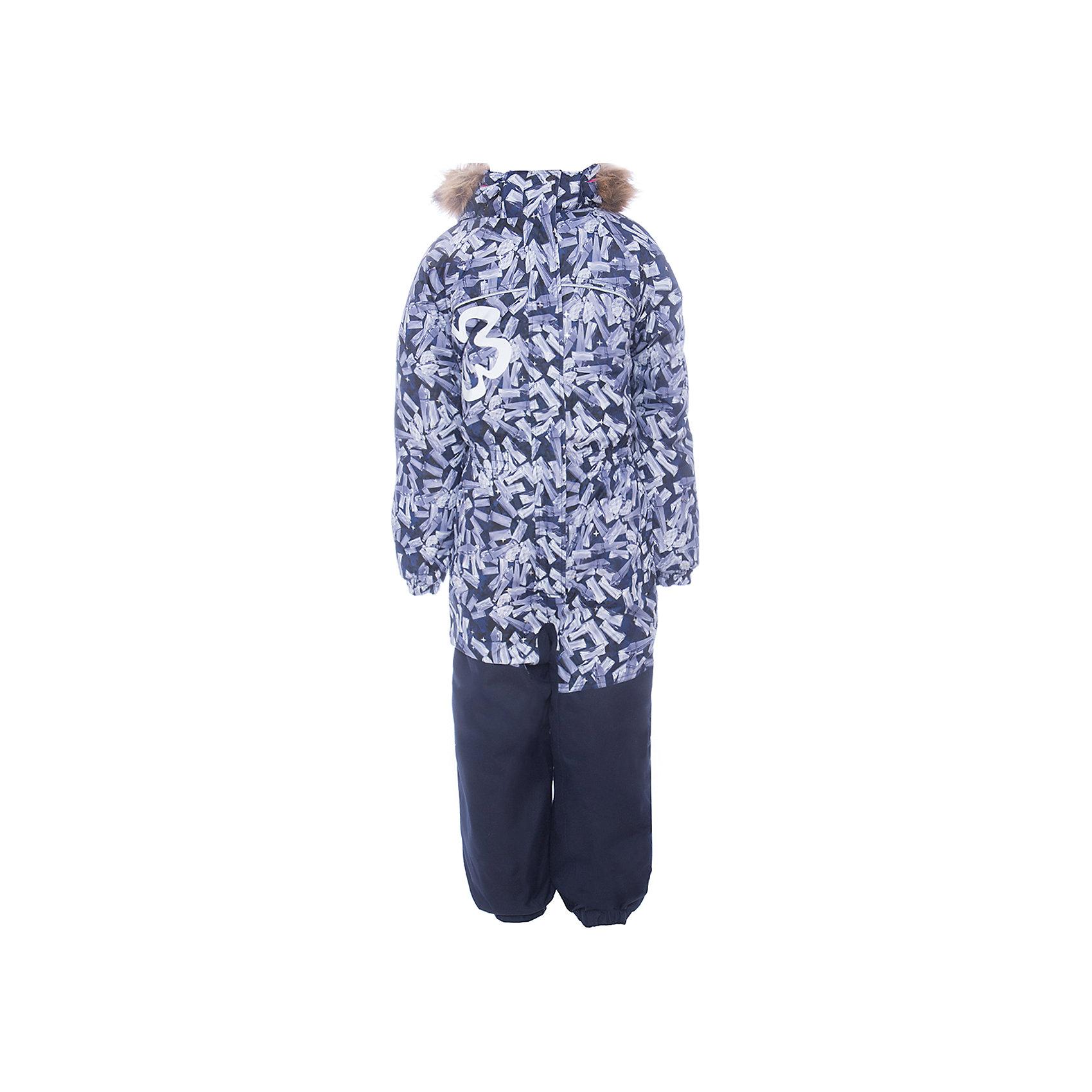 Комбинезон CHLOE 1 Huppa для девочкиВерхняя одежда<br>Характеристики товара:<br><br>• модель: Chloe 1;<br>• цвет: черный,принт ;<br>• пол: девочка ;<br>• состав: 100% полиэстер;<br>• утеплитель: полиэстер, 300 гр.;<br>• подкладка: тафта/флис;<br>• сезон: зима;<br>• температурный режим: от -5 до - 30С;<br>• водонепроницаемость: 5000 вверх/10000 низ мм;<br>• воздухопроницаемость: 5000 вверх/ 10000 низ г/м2/24ч;<br>• водо- и ветронепроницаемый, дышащий и грязеотталкивающий материал;<br>• особенности модели: c рисунком, с мехом;<br>• капюшон для большего удобства крепится на кнопки и, при необходимости, отстегивается;<br>• искусственный мех на капюшоне съемный ;<br>• сиденье и нижний край брючины выполнены из очень прочной ткани Cordura;<br>• cидельный шов, внутренние и боковые швы проклеены и не пропускают влагу;<br>• светоотражающих элементов для безопасности ребенка;<br>• внутренний и боковые карманы застегиваются на молнию;<br>• манжеты брюк и рукавов эластичные, на резинках;<br>• съемные силиконовые штрипки;<br>• страна бренда: Финляндия;<br>• страна изготовитель: Эстония.<br><br>Комбинезон Chloe 1 для девочки водо и воздухонепроницаемый. Важный критерий при выборе комбинезона для девочки - это количество утеплителя, ведь малыши еще малоподвижны, поэтому комбинезон должен быть теплым. В модели Chloe 1 300 грамм утеплителя, которые обеспечат тепло и комфорт ребенку при температуре от -5 до -30 градусов. Подкладка — тафта/флис. <br><br>Функциональные элемент: капюшон отстегивается с помощью кнопок, мех отстегивается, все карманы на молнии, манжеты на резинке, съемные силиконовые штрипки, светоотражающие элементы.<br><br>Комбинезон  Chloe 1  для девочки Huppa (Хуппа) можно купить в нашем интернет-магазине.<br><br>Ширина мм: 356<br>Глубина мм: 10<br>Высота мм: 245<br>Вес г: 519<br>Цвет: черный<br>Возраст от месяцев: 96<br>Возраст до месяцев: 108<br>Пол: Женский<br>Возраст: Детский<br>Размер: 134,92,98,104,110,116,122,128<br>SKU: 7024517