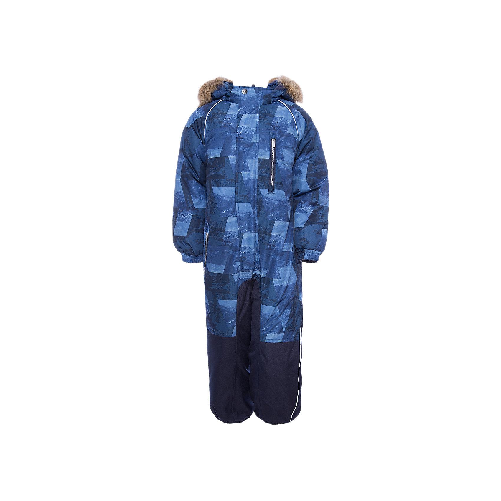 Комбинезон FENNO HuppaКомбинезоны<br>Характеристики товара:<br><br>• модель: Fenno;<br>• цвет: синий;<br>• пол: мальчик ;<br>• состав: 100% полиэстер;<br>• утеплитель: полиэстер, 300 гр.;<br>• подкладка: тафта/флис;<br>• сезон: зима;<br>• температурный режим: от -5 до - 30С;<br>• водонепроницаемость: 10000 мм  ;<br>• воздухопроницаемость: 10000 г/м2/24ч;<br>• водо- и ветронепроницаемый, дышащий и грязеотталкивающий материал;<br>• особенности модели: c рисунком, с мехом;<br>• капюшон для большего удобства крепится на кнопки и, при необходимости, отстегивается;<br>• искусственный мех на капюшоне съемный ;<br>• cидельный шов, внутренние и боковые швы проклеены и не пропускают влагу;<br>•  cиденье и нижний край брючины выполнены из очень прочной ткани Cordura;<br>• светоотражающих элементов для безопасности в темное время суток ;<br>• внутренний и боковые карманы застегиваются на молнию;<br>• манжеты брюк и рукавов  на резинках;<br>• съемные силиконовые штрипки;<br>• внутренняя регулировка обхвата талии;<br>• страна бренда: Финляндия;<br>• страна изготовитель: Эстония.<br><br>Комбинезон Fenno для мальчика Водо и воздухонепроницаемый. Важный критерий при выборе комбинезона для малыша - это количество утеплителя, ведь малыши еще малоподвижны, поэтому комбинезон должен быть теплым. В модели Fenno  300 грамм утеплителя, которые обеспечат тепло и комфорт ребенку при температуре от -5 до -30 градусов. Подкладка — тафта/флис. <br><br>Функциональные элемент: капюшон отстегивается с помощью кнопок, мех отстегивается, все карманы на молнии, манжеты на резинке, съемные силиконовые штрипки, внутренняя регулировка обхвата талии, светоотражающие элементы.<br><br>Комбинезон Fenno для мальчика  Huppa (Хуппа) можно купить в нашем интернет-магазине.<br><br>Ширина мм: 356<br>Глубина мм: 10<br>Высота мм: 245<br>Вес г: 519<br>Цвет: синий<br>Возраст от месяцев: 96<br>Возраст до месяцев: 108<br>Пол: Унисекс<br>Возраст: Детский<br>Размер: 134,92,98,104,110,116,122,128<br>SKU: 7024571