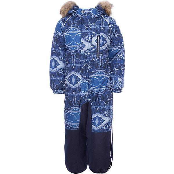 Комбинезон FENNO Huppa для мальчикаВерхняя одежда<br>Характеристики товара:<br><br>• модель: Fenno;<br>• состав: 100% полиэстер;<br>• утеплитель: полиэстер, 300 гр.;<br>• подкладка: тафта/флис;<br>• сезон: зима;<br>• температурный режим: от -5 до - 30С;<br>• водонепроницаемость: 10000 мм  ;<br>• воздухопроницаемость: 10000 г/м2/24ч;<br>• водо- и ветронепроницаемый, дышащий и грязеотталкивающий материал;<br>• особенности модели: c рисунком, с мехом;<br>• капюшон для большего удобства крепится на кнопки и, при необходимости, отстегивается;<br>• искусственный мех на капюшоне съемный ;<br>• cидельный шов, внутренние и боковые швы проклеены и не пропускают влагу;<br>•  cиденье и нижний край брючины выполнены из очень прочной ткани Cordura;<br>• светоотражающих элементов для безопасности в темное время суток ;<br>• внутренний и боковые карманы застегиваются на молнию;<br>• манжеты брюк и рукавов  на резинках;<br>• съемные силиконовые штрипки;<br>• внутренняя регулировка обхвата талии;<br>• страна бренда: Финляндия;<br>• страна изготовитель: Эстония.<br><br>Комбинезон Fenno для мальчика Водо и воздухонепроницаемый. Важный критерий при выборе комбинезона для малыша - это количество утеплителя, ведь малыши еще малоподвижны, поэтому комбинезон должен быть теплым. В модели Fenno  300 грамм утеплителя, которые обеспечат тепло и комфорт ребенку при температуре от -5 до -30 градусов. Подкладка — тафта/флис. <br><br>Функциональные элемент: капюшон отстегивается с помощью кнопок, мех отстегивается, все карманы на молнии, манжеты на резинке, съемные силиконовые штрипки, внутренняя регулировка обхвата талии, светоотражающие элементы.<br><br>Комбинезон Fenno для мальчика  Huppa (Хуппа) можно купить в нашем интернет-магазине.<br><br>Ширина мм: 356<br>Глубина мм: 10<br>Высота мм: 245<br>Вес г: 519<br>Цвет: синий<br>Возраст от месяцев: 96<br>Возраст до месяцев: 108<br>Пол: Мужской<br>Возраст: Детский<br>Размер: 92,98,104,110,116,122,128,134<br>SKU: 7024598