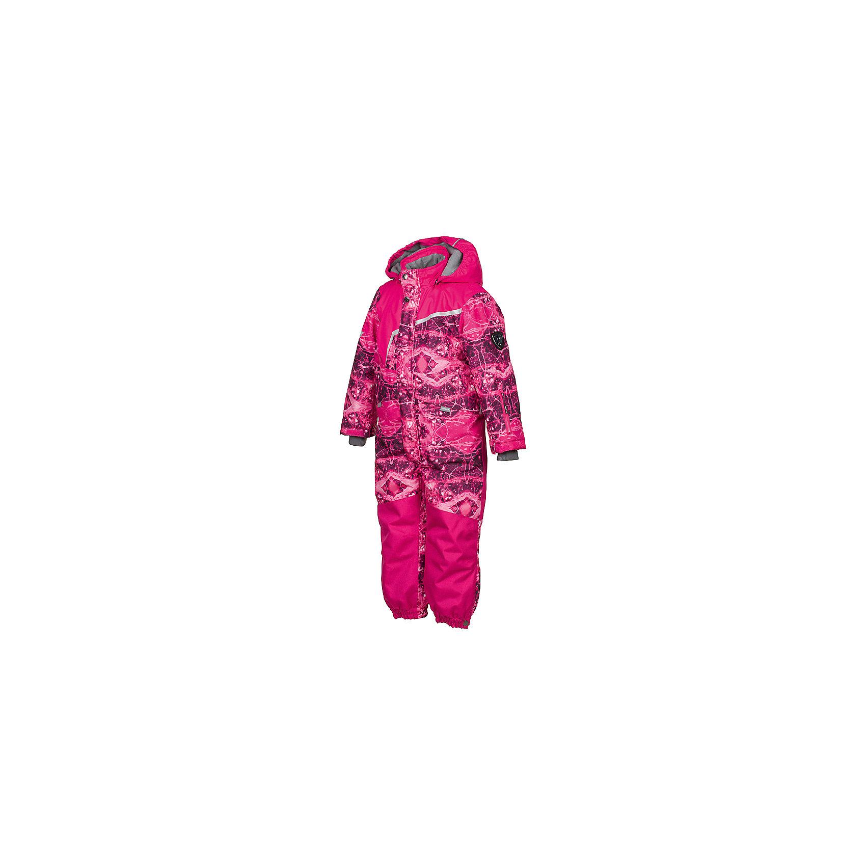 Комбинезон OWEN HuppaВерхняя одежда<br>Характеристики товара:<br><br>• модель: Owen;<br>• состав: 100% полиэстер;<br>• утеплитель: полиэстер, 200 гр.;<br>• подкладка: теплоотражающая Huppa Tec, тафта, флис;<br>• сезон: зима;<br>• температурный режим: от -5 до - 30С;<br>• водонепроницаемость: 10000 мм  ;<br>• воздухопроницаемость: 10000 г/м2/24ч;<br>• водо- и ветронепроницаемый, дышащий и грязеотталкивающий материал;<br>• особенности модели: c рисунком;<br>• капюшон при необходимости отстегивается<br>• cидельный шов, внутренние и боковые швы проклеены и не пропускают влагу;<br>•  cиденье и нижний край брючины выполнены из очень прочной ткани Cordura;<br>• светоотражающих элементов для безопасности ребенка ;<br>• все карманы застегиваются на молнию;<br>• рукава регулируются по ширине, внутри есть дополнительный трикотажный манжет; <br>• манжеты брюк на резинках, с кнопками для изменения ширины<br>• съемные силиконовые штрипки;<br>• внутренняя регулировка обхвата талии;<br>• страна бренда: Финляндия;<br>• страна изготовитель: Эстония.<br><br>Зимний комбинезон Owen для мальчика бренда HUPPA влагонепроницаемый и дышащий. Материал с утеплителем 200 грамм подойдет на температуру от -5 до -30 градусов. Подкладка — теплоотражающая Huppa Tec, тафта, флис. Нижняя часть комбинезона выполнена из материала повышенной прочности Cordura. Для удобства надевания высокой обуви, низ штанин регулируется кнопкой. <br><br>Функциональные элементы: капюшон отстегивается с помощью кнопок, карманы на молнии, трикотажные манжеты,манжеты регулируются с помощью кнопки, утяжка на талии, подол штанин регулируется кнопкой, все швы проклеены, съемные силиконовые штрипки, все детали укреплены, светоотражающие элементы.<br><br>Зимний комбинезон Owen для мальчика бренда HUPPA  можно купить в нашем интернет-магазине.<br><br>Ширина мм: 356<br>Глубина мм: 10<br>Высота мм: 245<br>Вес г: 519<br>Цвет: фуксия<br>Возраст от месяцев: 108<br>Возраст до месяцев: 120<br>Пол: Унисекс<br>Возраст: Детский<br>Размер: 