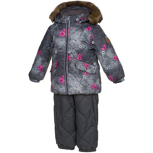 Комплект: куртка и брюки NOELLE 1 Huppa для мальчикаВерхняя одежда<br>Характеристики товара:<br><br>• модель: Noelle 1;<br>• цвет:серый принт/ серый;<br>• пол: девочка ;<br>• состав: 100% полиэстер;<br>• утеплитель: полиэстер: куртка 300 гр, полукомбинезон 160 гр;<br>• подкладка: куртка: полиэстер - тафта / полукомбинезон: 100% хлопок - фланель;<br>• сезон: зима;<br>• температурный режим: от -5 до - 30С;<br>• водонепроницаемость: 5000 мм  ;<br>• воздухопроницаемость: 5000 г/м2/24ч;<br>• водо- и ветронепроницаемый, дышащий и грязеотталкивающий материал;<br>• особенности модели: c рисунком; с мехом;<br>• безопасный капюшон крепится на кнопки и, при необходимости, отстегивается;<br>• искусственный мех на капюшоне съемный ;<br>• защита подбородка от защемления;<br>• светоотражающих элементов для безопасности ребенка ;<br>• карманы на кнопках;<br>• дополнительный кармашек на грудке у брюк;<br>• манжеты рукавов на резинке; <br>• манжеты брюк на резинках;<br>• эластичные подтяжки регулируются по длине;<br>• съемные силиконовые штрипки;<br>• внутренняя регулировка обхвата талии;<br>• страна бренда: Финляндия;<br>• страна изготовитель: Эстония.<br><br>Зимний комплект Noelle 1 для девочки бренда HUPPA влагонепроницаемый и дышащий. Куртка с утеплителем 300 гр и полукомбинезон  с утеплителем 160 гр подойдут на температуру от -5 до -30 градусов. Подкладка —куртка: полиэстер - тафта / полукомбинезон : 100% хлопок - фланель.<br><br>Функциональные элементы: Куртка: капюшон отстегивается с помощью кнопок, мех отстегивается, защита подбородка от защемления, мягкая меховая подкладка, карманы на кнопках, манжеты на резинке, светоотражающие элементы. Брюки: регулируемые лямки, удлиненная косая молния, карман без застежек, подол штанин на резинке, съемные силиконовые штрипки, светоотражающие элементы. <br><br>Зимний комплект Noelle 1 для девочки бренда HUPPA  можно купить в нашем интернет-магазине.<br><br>Ширина мм: 356<br>Глубина мм: 10<br>Высота мм: 245<br>Вес г: 519<br>Цвет: серый<br>