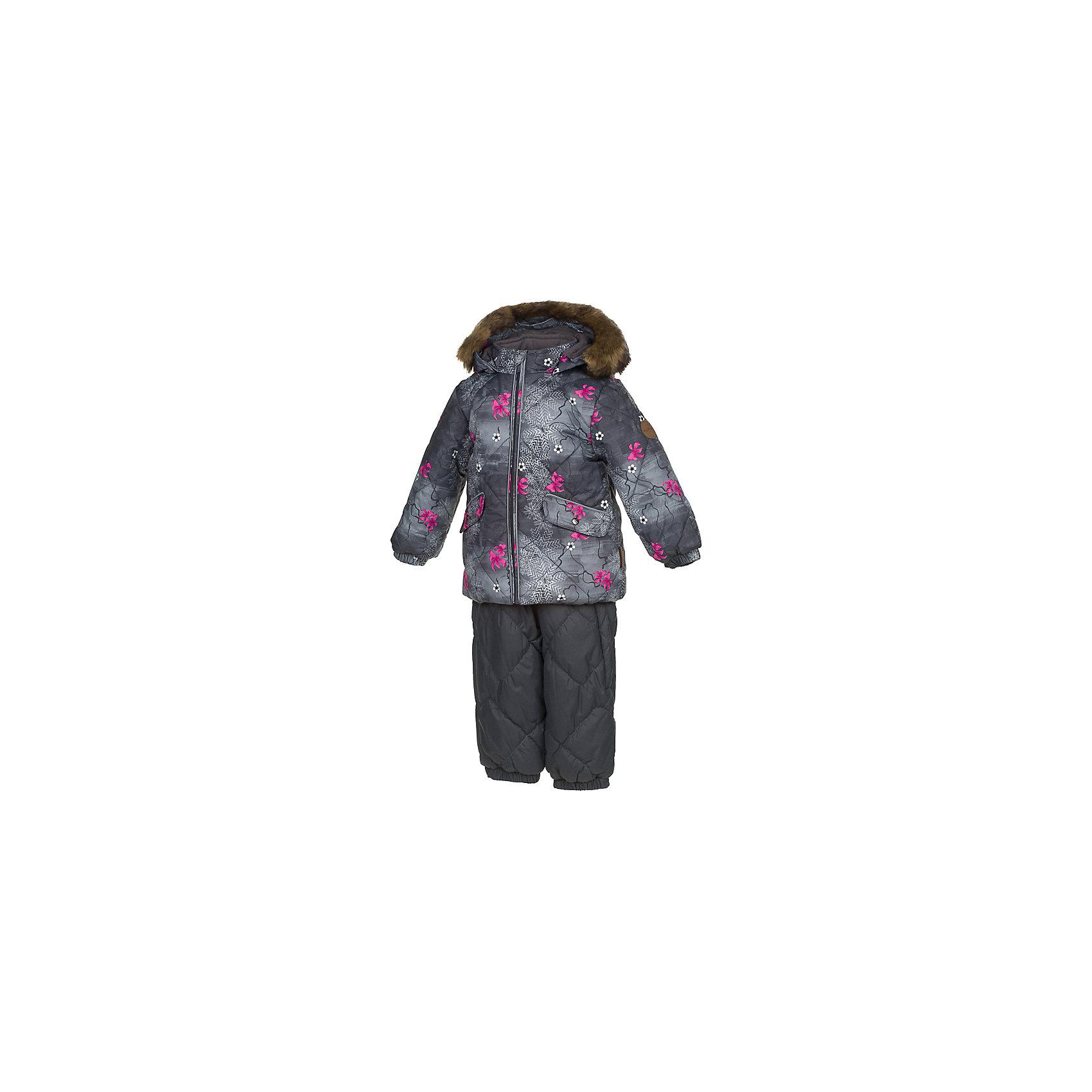 Комплект: куртка и брюки NOELLE 1 HuppaКомплекты<br>Характеристики товара:<br><br>• модель: Noelle 1;<br>• цвет:серый принт/ серый;<br>• пол: девочка ;<br>• состав: 100% полиэстер;<br>• утеплитель: полиэстер: куртка 300 гр, полукомбинезон 160 гр;<br>• подкладка: куртка: полиэстер - тафта / полукомбинезон: 100% хлопок - фланель;<br>• сезон: зима;<br>• температурный режим: от -5 до - 30С;<br>• водонепроницаемость: 5000 мм  ;<br>• воздухопроницаемость: 5000 г/м2/24ч;<br>• водо- и ветронепроницаемый, дышащий и грязеотталкивающий материал;<br>• особенности модели: c рисунком; с мехом;<br>• безопасный капюшон крепится на кнопки и, при необходимости, отстегивается;<br>• искусственный мех на капюшоне съемный ;<br>• защита подбородка от защемления;<br>• светоотражающих элементов для безопасности ребенка ;<br>• карманы на кнопках;<br>• дополнительный кармашек на грудке у брюк;<br>• манжеты рукавов на резинке; <br>• манжеты брюк на резинках;<br>• эластичные подтяжки регулируются по длине;<br>• съемные силиконовые штрипки;<br>• внутренняя регулировка обхвата талии;<br>• страна бренда: Финляндия;<br>• страна изготовитель: Эстония.<br><br>Зимний комплект Noelle 1 для девочки бренда HUPPA влагонепроницаемый и дышащий. Куртка с утеплителем 300 гр и полукомбинезон  с утеплителем 160 гр подойдут на температуру от -5 до -30 градусов. Подкладка —куртка: полиэстер - тафта / полукомбинезон : 100% хлопок - фланель.<br><br>Функциональные элементы: Куртка: капюшон отстегивается с помощью кнопок, мех отстегивается, защита подбородка от защемления, мягкая меховая подкладка, карманы на кнопках, манжеты на резинке, светоотражающие элементы. Брюки: регулируемые лямки, удлиненная косая молния, карман без застежек, подол штанин на резинке, съемные силиконовые штрипки, светоотражающие элементы. <br><br>Зимний комплект Noelle 1 для девочки бренда HUPPA  можно купить в нашем интернет-магазине.<br><br>Ширина мм: 356<br>Глубина мм: 10<br>Высота мм: 245<br>Вес г: 519<br>Цвет: серый<br>Возраст от месяцев
