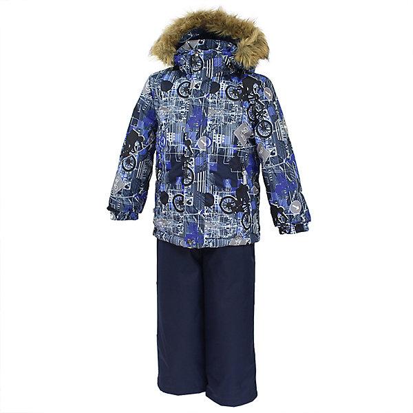 Комплект: куртка и брюки DANTE Huppa для мальчикаВерхняя одежда<br>Характеристики товара:<br><br>• модель: Dante;<br>• цвет: синий принт/синий;<br>• состав: 100% полиэстер;<br>• утеплитель: нового поколения HuppaTherm, 300 гр куртка / 160гр брюки;<br>• подкладка: полиэстер: тафта, pritex;<br>• сезон: зима;<br>• температурный режим: от -5 до - 30С;<br>• водонепроницаемость: 10000 мм;<br>• воздухопроницаемость: 10000 г/м2/24ч;<br>• особенности модели: c рисунком; с мехом на капюшоне;<br>• плечевые швы и шаговый шов проклеены и не пропускают влагу;<br>• в куртке застежка молния, прикрыта планкой;<br>• низ куртки стягивается кулиской, что помогает предотвращать попадание снега внутрь;<br>• эластичные подтяжки регулируются по длине;<br>• низ брюк затягивается на шнурок с фиксатором;<br>• снегозащитные манжеты на штанинах;<br>• безопасный капюшон крепится на кнопки и, при необходимости, отстегивается;<br>• искусственный мех на капюшоне съемный;<br>• светоотражающие элементы для безопасности ребенка;<br>• внутренний и боковые карманы застегиваются на молнию;<br>• манжеты рукавов эластичные, на резинках; <br>• страна бренда: Финляндия;<br>• страна изготовитель: Эстония.<br><br>Зимний комплект Dante - это отличный вариант для холодной зимы. Утеплитель HuppaTherm - высокотехнологичный легкий синтетический утеплитель нового поколения. Сохраняет объем и высокую теплоизоляцию изделия. Легко стирается и быстро сохнет. Изделия HuppaTherm легкие по весу, комфортные и теплые.<br><br>Мембрана препятствует прохождению воды и ветра сквозь ткань внутрь изделия, позволяя испаряться выделяемой телом, образовывающейся внутри влаге. Прочная ткань: сплетения волокон в тканях выполнены по специальной технологии, которая придаёт ткани прочность и предохранят от истирания.Подкладка —полиэстер: тафта, pritex.<br><br>Функциональные элементы: Куртка: капюшон и мех отстегивается,  застежка молния, прикрыта планкой, манжеты на резинке, светоотражающие элементы. Брюки:  застежка молния, эластичные по