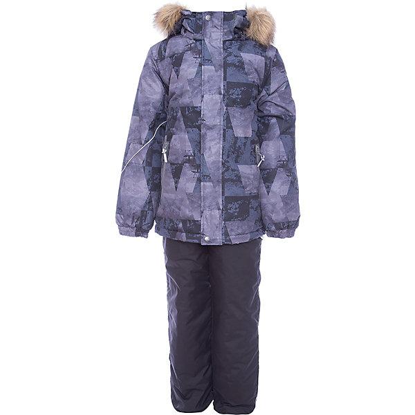 Комплект: куртка и брюки DANTE Huppa для мальчикаКомплекты<br>Характеристики товара:<br><br>• модель: Dante;<br>• цвет: черный принт/черный;<br>• состав: 100% полиэстер;<br>• утеплитель: нового поколения HuppaTherm, 300 гр куртка / 160гр брюки;<br>• подкладка: полиэстер: тафта, pritex;<br>• сезон: зима;<br>• температурный режим: от -5 до - 30С;<br>• водонепроницаемость: 10000 мм;<br>• воздухопроницаемость: 10000 г/м2/24ч;<br>• особенности модели: c рисунком; с мехом на капюшоне;<br>• плечевые швы и шаговый шов проклеены и не пропускают влагу;<br>• в куртке застежка молния, прикрыта планкой;<br>• низ куртки стягивается кулиской, что помогает предотвращать попадание снега внутрь;<br>• эластичные подтяжки регулируются по длине;<br>• низ брюк затягивается на шнурок с фиксатором;<br>• снегозащитные манжеты на штанинах;<br>• безопасный капюшон крепится на кнопки и, при необходимости, отстегивается;<br>• искусственный мех на капюшоне съемный;<br>• светоотражающие элементы для безопасности ребенка;<br>• внутренний и боковые карманы застегиваются на молнию;<br>• манжеты рукавов эластичные, на резинках; <br>• страна бренда: Финляндия;<br>• страна изготовитель: Эстония.<br><br>Зимний комплект Dante - это отличный вариант для холодной зимы.. Утеплитель HuppaTherm - высокотехнологичный легкий синтетический утеплитель нового поколения. Сохраняет объем и высокую теплоизоляцию изделия. Легко стирается и быстро сохнет. Изделия HuppaTherm легкие по весу, комфортные и теплые.<br><br>Мембрана препятствует прохождению воды и ветра сквозь ткань внутрь изделия, позволяя испаряться выделяемой телом, образовывающейся внутри влаге.<br><br>Прочная ткань: сплетения волокон в тканях выполнены по специальной технологии, которая придаёт ткани прочность и предохранят от истирания.Подкладка —полиэстер: тафта, pritex.<br><br>Функциональные элементы: Куртка: капюшон и мех отстегивается,  застежка молния, прикрыта планкой, манжеты на резинке, светоотражающие элементы. Брюки:  застежка молния, эластичн