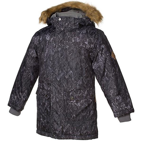 Куртка VESPER Huppa для мальчикаВерхняя одежда<br>Характеристики товара:<br><br>• модель: Vesper;<br>• цвет: черный принт;<br>• состав: 100% полиэстер;<br>• утеплитель: нового поколенияHuppaTherm, 300 гр.;<br>• подкладка: полиэстер, тафта, pritex;<br>• сезон: зима;<br>• температурный режим: от - 5 до - 30С;<br>• водонепроницаемость: 5000 мм;<br>• воздухопроницаемость: 5000 г/м2/24ч;<br>• влагостойкие, водоотталкивающие, ветрозащитные и дышащие материалы.<br>• плечевые швы проклеены и не пропускают влагу;<br>• защитная планка молнии;<br>• двухсторонняя молния;<br>• безопасный отстёгивающийся капюшон;<br>• съемный искусственный мех на капюшоне;<br>• четыре кармана: 2 на молнии и 2 на клёпках;<br>• светоотражающие элементы для безопасности ребенка;<br>• внутренние вязаные манжеты на рукавах; <br>• страна бренда: Финляндия;<br>• страна изготовитель: Эстония.<br><br>Стильная молодёжная парка Vesper для мальчиков выполнена в красивом  цвете. Голову украшает отстёгивающийся капюшон, обрамлённый съемным мехом. Прямой крой придаёт парке модный спортивный вид. <br><br>Двусторонняя молния спрятана за декоративной планкой. Бегунок молнии открывается/закрывается снизу и сверху. В парке предусмотрено четыре закрытых кармана: два втачных, два накладных. Подкладка из полиэстера повышает гигиеничность модели. Её поверхность очень просто очистить от любых загрязнений. В рукава вшиты вязаные манжеты. Они прекрасно защищают парня от снега и ветра.Имеются светоотражательные элементы.<br><br>Разрабатываемая дизайнерами компании Хуппа детская одежда полностью отвечает климатическим особенностям нашей страны.<br><br>Куртку Vesper для мальчика бренда HUPPA  можно купить в нашем интернет-магазине.<br>Ширина мм: 356; Глубина мм: 10; Высота мм: 245; Вес г: 519; Цвет: черный; Возраст от месяцев: 36; Возраст до месяцев: 48; Пол: Мужской; Возраст: Детский; Размер: 104,170,164,158,152,146,140,134,128,122,116,110; SKU: 7025068;