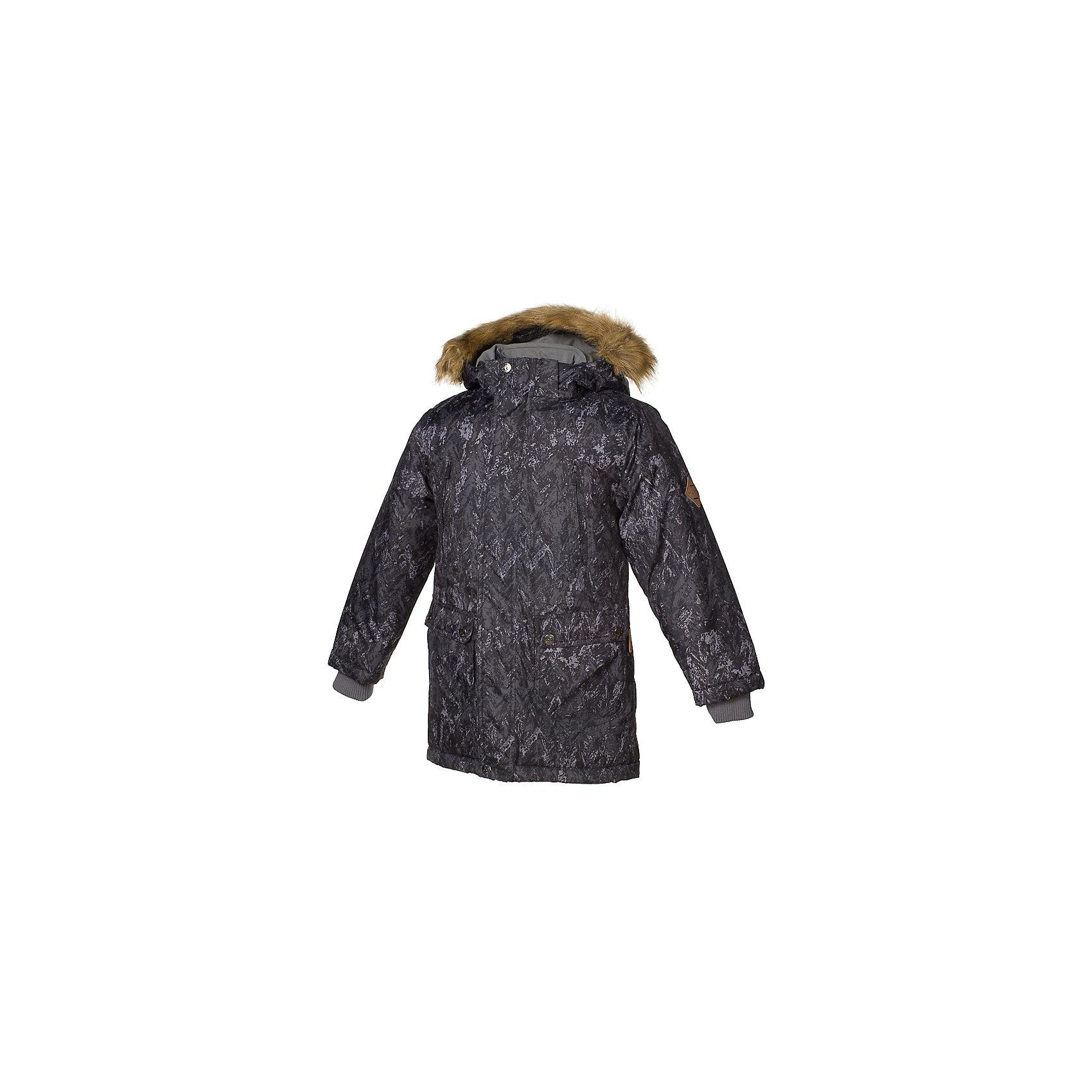 Куртка VESPER Huppa для мальчикаЗимние куртки<br>Характеристики товара:<br><br>• модель: Vesper;<br>• цвет: черный принт;<br>• состав: 100% полиэстер;<br>• утеплитель: нового поколенияHuppaTherm, 300 гр.;<br>• подкладка: полиэстер, тафта, pritex;<br>• сезон: зима;<br>• температурный режим: от - 5 до - 30С;<br>• водонепроницаемость: 5000 мм;<br>• воздухопроницаемость: 5000 г/м2/24ч;<br>• влагостойкие, водоотталкивающие, ветрозащитные и дышащие материалы.<br>• плечевые швы проклеены и не пропускают влагу;<br>• защитная планка молнии;<br>• двухсторонняя молния;<br>• безопасный отстёгивающийся капюшон;<br>• съемный искусственный мех на капюшоне;<br>• четыре кармана: 2 на молнии и 2 на клёпках;<br>• светоотражающие элементы для безопасности ребенка;<br>• внутренние вязаные манжеты на рукавах; <br>• страна бренда: Финляндия;<br>• страна изготовитель: Эстония.<br><br>Стильная молодёжная парка Vesper для мальчиков выполнена в красивом  цвете. Голову украшает отстёгивающийся капюшон, обрамлённый съемным мехом. Прямой крой придаёт парке модный спортивный вид. <br><br>Двусторонняя молния спрятана за декоративной планкой. Бегунок молнии открывается/закрывается снизу и сверху. В парке предусмотрено четыре закрытых кармана: два втачных, два накладных. Подкладка из полиэстера повышает гигиеничность модели. Её поверхность очень просто очистить от любых загрязнений. В рукава вшиты вязаные манжеты. Они прекрасно защищают парня от снега и ветра.Имеются светоотражательные элементы.<br><br>Разрабатываемая дизайнерами компании Хуппа детская одежда полностью отвечает климатическим особенностям нашей страны.<br><br>Куртку Vesper для мальчика бренда HUPPA  можно купить в нашем интернет-магазине.<br><br>Ширина мм: 356<br>Глубина мм: 10<br>Высота мм: 245<br>Вес г: 519<br>Цвет: черный<br>Возраст от месяцев: 168<br>Возраст до месяцев: 180<br>Пол: Мужской<br>Возраст: Детский<br>Размер: 170,104,110,116,122,128,134,140,146,152,158,164<br>SKU: 7025068