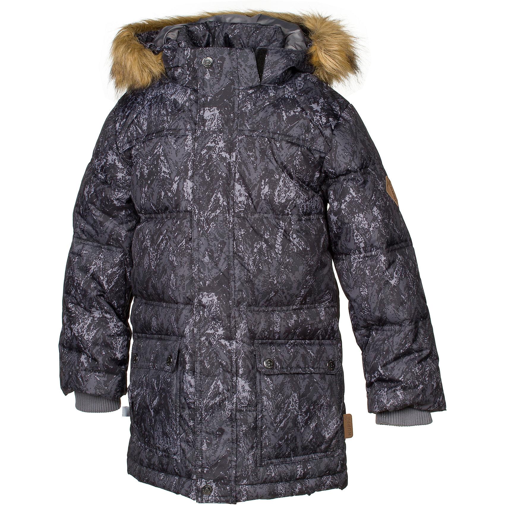 Куртка LUCAS Huppa для мальчикаЗимние куртки<br>Характеристики товара:<br><br>• модель: Lucas;<br>• цвет: черный принт;<br>• пол: мальчик;<br>• состав: 100% полиэстер;<br>• утеплитель: 50% пух, 50% перо.;<br>• подкладка: тафта,полиэстер;<br>• сезон: зима;<br>• температурный режим: от - 5 до - 30С;<br>• водонепроницаемость: 5000 мм;<br>• воздухопроницаемость: 5000 г/м2/24ч;<br>• влагоустойчивая и дышащая ткань;<br>• двухсторонняя молния;<br>• воротник-стойка застегивается на застежку-молнию и кнопки;<br>• безопасный капюшон при необходимости, отстегивается;<br>• мех на капюшоне съемный;<br>• низ рукавов дополнен эластичными манжетами;<br>• карманы на молнии;<br>• светоотражающие детали для безопасности ребенка;<br>• страна бренда: Финляндия;<br>• страна изготовитель: Эстония.<br><br>Стильная молодёжная парка Lucas для мальчиков выполнена  из влагоустойчивой и дышащей ткани, которая позволяет сохранить внутри собственное тепло ребенка и препятствует попаданию извне холодного воздуха. Её поверхность очень просто очистить от любых загрязнений.<br><br>Голову украшает отстёгивающийся капюшон, обрамлённый съемным мехом. Прямой крой придаёт парке модный спортивный вид. Двусторонняя молния спрятана за декоративной планкой. Бегунок молнии открывается/закрывается снизу и сверху. Карманы на молнии. В рукава вшиты вязаные манжеты. Они прекрасно защищают парня от снега и ветра.Имеются светоотражательные элементы.<br><br>Разрабатываемая дизайнерами компании Хуппа детская одежда полностью отвечает климатическим особенностям нашей страны.<br><br>Куртку Lucas для мальчика бренда HUPPA  можно купить в нашем интернет-магазине.<br><br>Ширина мм: 356<br>Глубина мм: 10<br>Высота мм: 245<br>Вес г: 519<br>Цвет: черный<br>Возраст от месяцев: 168<br>Возраст до месяцев: 180<br>Пол: Мужской<br>Возраст: Детский<br>Размер: 170,110,116,122,128,134,140,146,152,158,164<br>SKU: 7025263