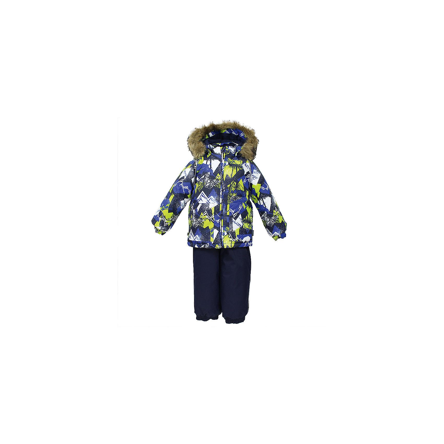 Комплект: куртка и брюки AVERY HuppaВерхняя одежда<br>Характеристика товара:<br><br>• цвет: синий<br>• температурный режим: от -0 до-30;<br>• утеплитель: куртка:300 грамм, брюки:160 грамм(100% полиэстер);<br>• подкладка: 100% хлопок;<br>• воздухопроницаемость: 5 000 мм куртка / 10 000 мм брюки;<br>• водонепроницаемость:  5 000 мм куртка / 10 000 мм брюки;<br>• застежка: молния;<br>• меховая опушка из искуственного меха;<br>• шаговый шов – проклеен;<br>• капюшон съемный;<br>• подтяжки на полукомбинезоне – резинки;<br>• светоотражающие детали;<br>• производитель: HUPPA (Эстония)<br><br>Красивый зимний комплект AVERY для детей младшего возраста. Легкая, но очень теплая куртка из мягкой мембранной ткани не содержит лишних деталей. В модели 300 грамм утеплителя, а значит, вы можете быть уверены, что ваш малыш не замерзнет на прогулке в морозную погоду, даже если будет двигаться не слишком активно. Комплект для малышей AVERY благодаря простым манжетам на резинке и удобной молнии легко надевать и застегивать. Капюшон с меховой опушкой сделан в форме забавного колпачка и при желании отстегивается. <br><br>Практичный однотонный полукомбинезон темного цвета выполнен из более прочной мембраны и скроен без внутренних швов, для лучшей защиты от истирания и попадания влаги. Задний шов проклеен, также для дополнительной защиты от влаги. Манжеты по низу брюк и тканевые штрипки на ботинки надежно фиксируют брюки и защищают от попадания снега. На костюмах AVERY светоотражающие элементы делают вашего ребенка более заметным на улице, даже в условиях плохой видимости и в темное время суток.<br><br>Комплект для малышей AVERY можно купить в нашем интернет-магазине.<br><br>Ширина мм: 356<br>Глубина мм: 10<br>Высота мм: 245<br>Вес г: 519<br>Цвет: синий<br>Возраст от месяцев: 12<br>Возраст до месяцев: 15<br>Пол: Унисекс<br>Возраст: Детский<br>Размер: 80,104,98,92,86<br>SKU: 7026988