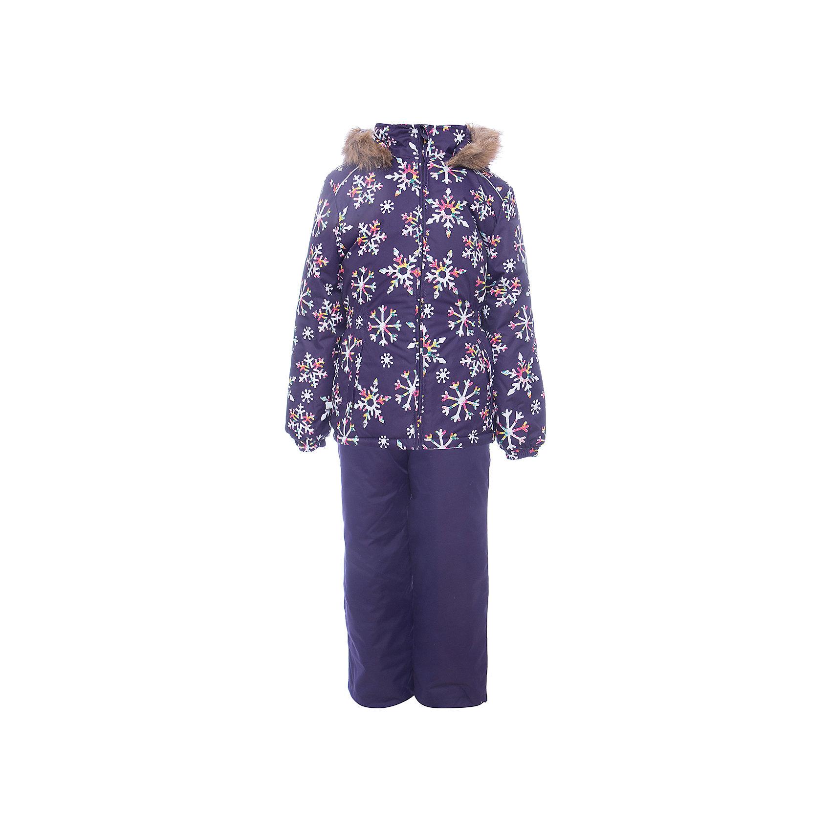 Комплект: куртка и брюки WONDER Huppa для девочкиВерхняя одежда<br>Комплект для девочек WONDER.Водо и воздухонепроницаемость  10 000.Утеплитель 300 гр куртка/160 гр брюки.Подкладка тафта, флис 100% полиэстер.Отстегивающийся капюшон с мехом.Манжеты рукавов на резинке.Регулируемые низы.Внутренняя снегозащита брюк.Швы проклеены.Резиновые подтяжки.Имеются светоотражательные элементы.<br>Состав:<br>100% Полиэстер<br><br>Ширина мм: 356<br>Глубина мм: 10<br>Высота мм: 245<br>Вес г: 519<br>Цвет: лиловый<br>Возраст от месяцев: 108<br>Возраст до месяцев: 120<br>Пол: Женский<br>Возраст: Детский<br>Размер: 140,110,92,98,104,116,122,128,134<br>SKU: 7027128