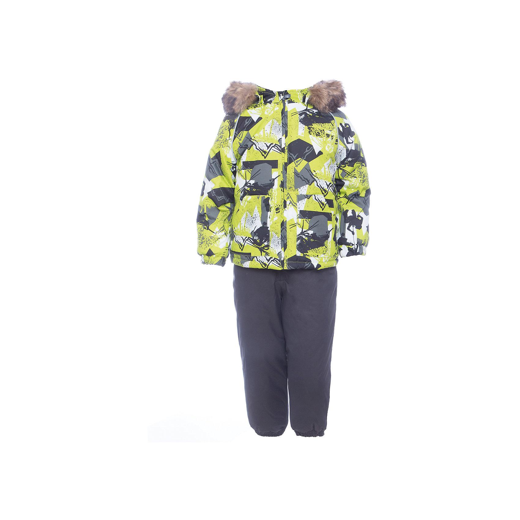 Комплект: куртка и брюки WINTER HuppaКомплекты<br>Характеристики товара:<br><br>• цвет: серо - зеленый с принтом;<br>• пол: мальчик;<br>• состав: 100% полиэстер;<br>• утеплитель: 300 гр куртка / 160гр полукомбинезон;<br>• подкладка: тафта, флис;<br>• сезон: зима;<br>• температурный режим: от -5 до - 30С;<br>• водонепроницаемость: 10000 мм ;<br>• воздухопроницаемость: 10000 г/м2/24ч;<br>• особенности модели: c рисунком; с мехом на капюшоне;<br>• сидельный шов проклеен и не пропускает влагу;<br>• манжеты рукавов эластичные, на резинках;<br>• низ брюк затягивается на шнурок с фиксатором;<br>• внутренние снегозащитные манжеты на штанинах;<br>• полукомбинезон с высокой грудкой, внутренние швы отсутствуют;<br>• эластичные подтяжки регулируются по длине;<br>• безопасный капюшон крепится на кнопки и, при необходимости, отстегивается;<br>• мех на капюшоне не съемный;<br>• молния с защитным клапаном;<br>• светоотражающие элементы для безопасности ребенка;<br>• страна бренда: Финляндия;<br>• страна изготовитель: Эстония.<br><br>Теплый зимний комплект для мальчиков от 2 до 9 лет. Верхняя мембранная ткань с высокими техническими характеристиками и современный утеплитель надежно защищают от снега и мороза.<br><br>Куртка прямого кроя с удлиненной спинкой и карманами на липучках. Утяжка по низу и планка на молнии исключает поддувание и попадание снега под куртку. Теплый капюшон с меховой опушкой легко отстегивается. Это предотвращает опасные ситуации во время игры, например, если капюшон ребенка за что-то зацепится. Полукомбинезон с высокой спинкой и резинкой на поясе скроены без внутреннего шва, поэтому они более устойчивы к истиранию и проникновению влаги. Задний шов проклеен. Утяжка с фиксатором по нижней части брюк и снежные гетры надежно защищают от попадания снега в обувь. Светоотражающие элементы повышают безопасность ребенка при нахождении на улице при любой видимости и в темное время суток. <br><br>Функциональные элементы: куртка: капюшон отстегивается, искусственный мех н