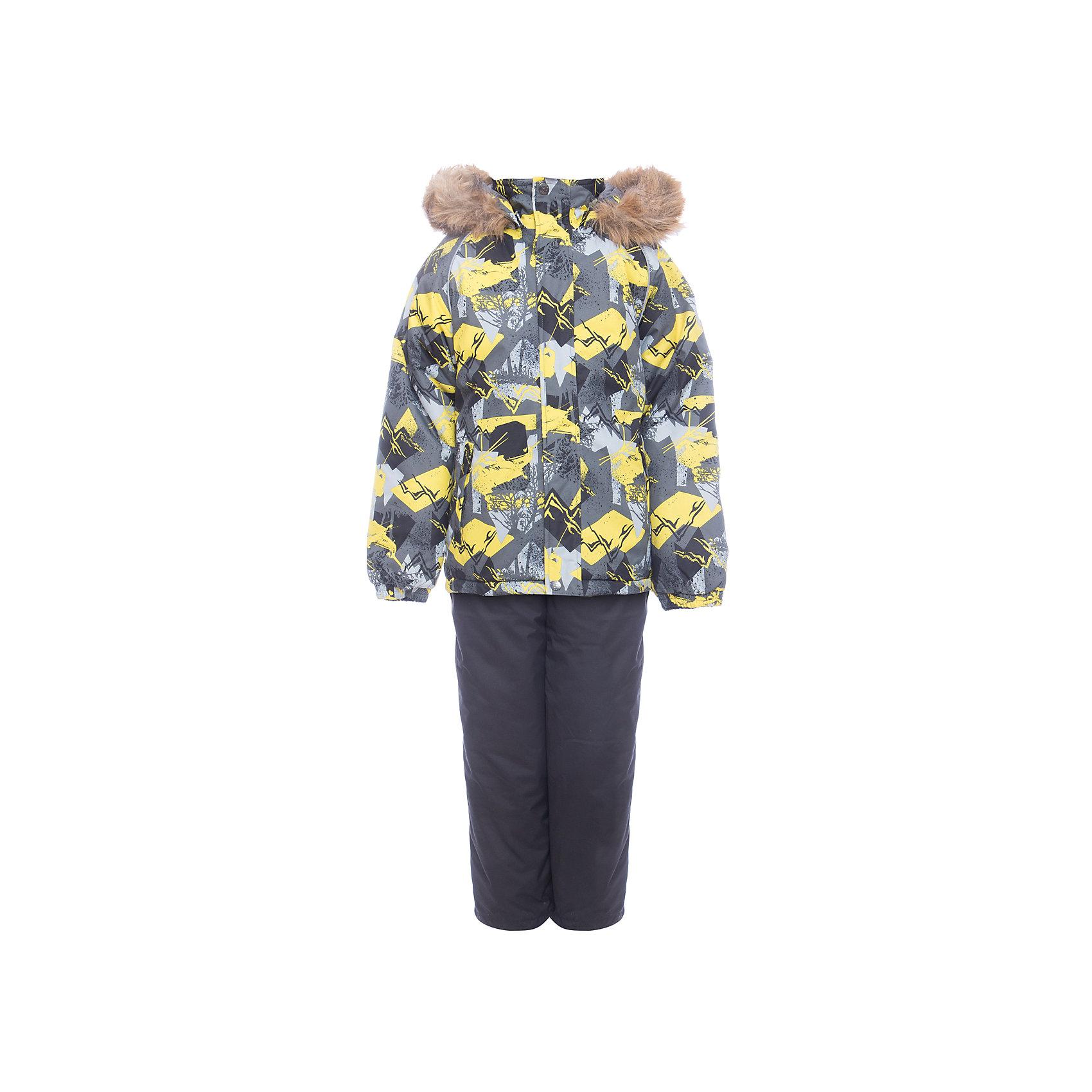 Комплект: куртка и брюки WINTER HuppaКомплекты<br>Детский комплект WINTER .Водо и воздухонепроницаемость 10 000.Утеплитель 300 гр куртка / 160 гр брюки. Подкладка Тафта, флис 100% полиэстер. Швы проклеены. Отстегивающийся капюшон . Манжет рукавов на резинке. Внутренняя снегозащита брюк. Регулируемые низы. Резиновые подтяжки. Имеются светоотражательные детали. <br>Состав:<br>100% Полиэстер<br><br>Ширина мм: 356<br>Глубина мм: 10<br>Высота мм: 245<br>Вес г: 519<br>Цвет: серый<br>Возраст от месяцев: 96<br>Возраст до месяцев: 108<br>Пол: Унисекс<br>Возраст: Детский<br>Размер: 134,92,98,104,110,140,116,122,128<br>SKU: 7027158
